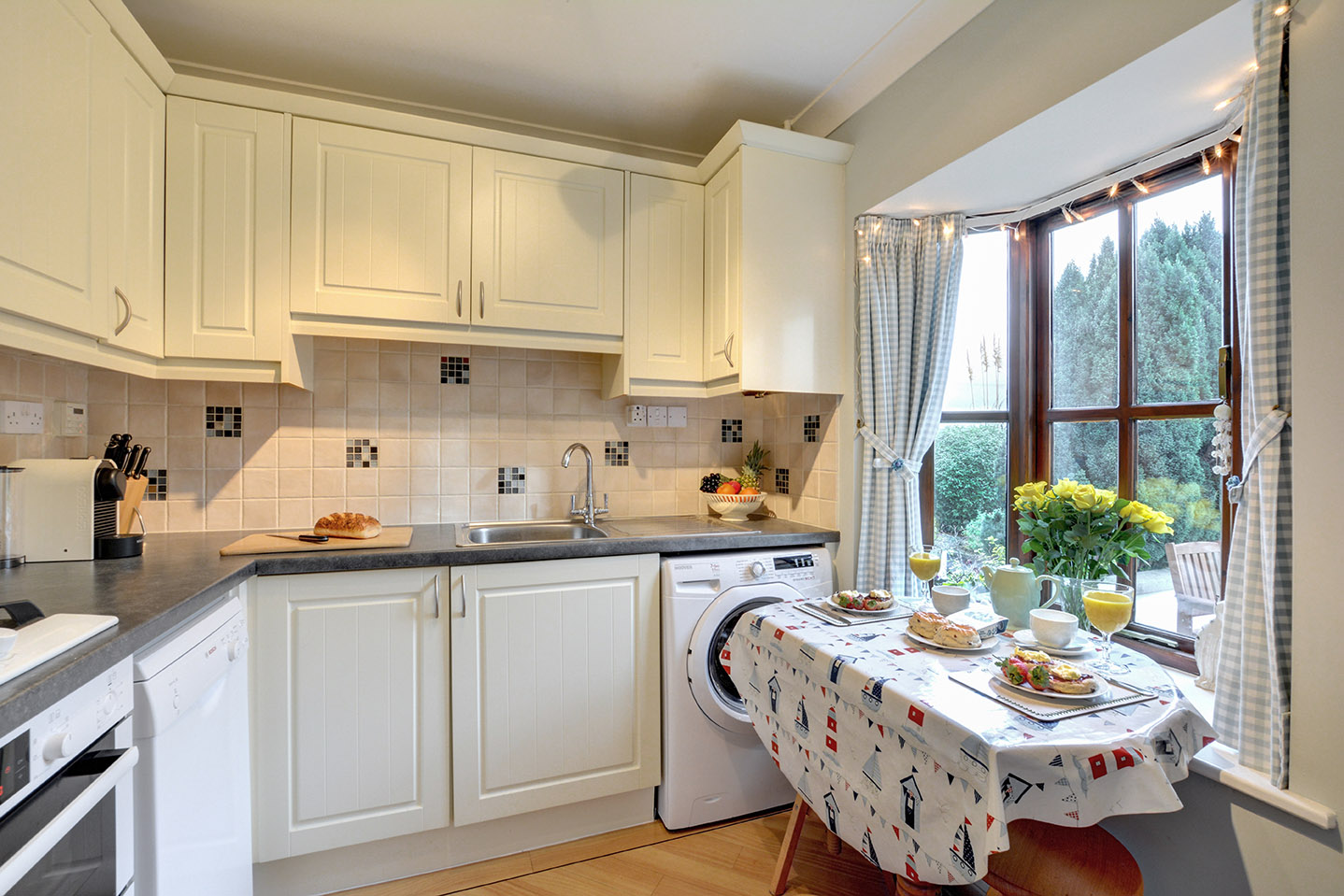 Ship Shape cosy holiday cottage in seaside harbour of Padstow kitchen.jpg