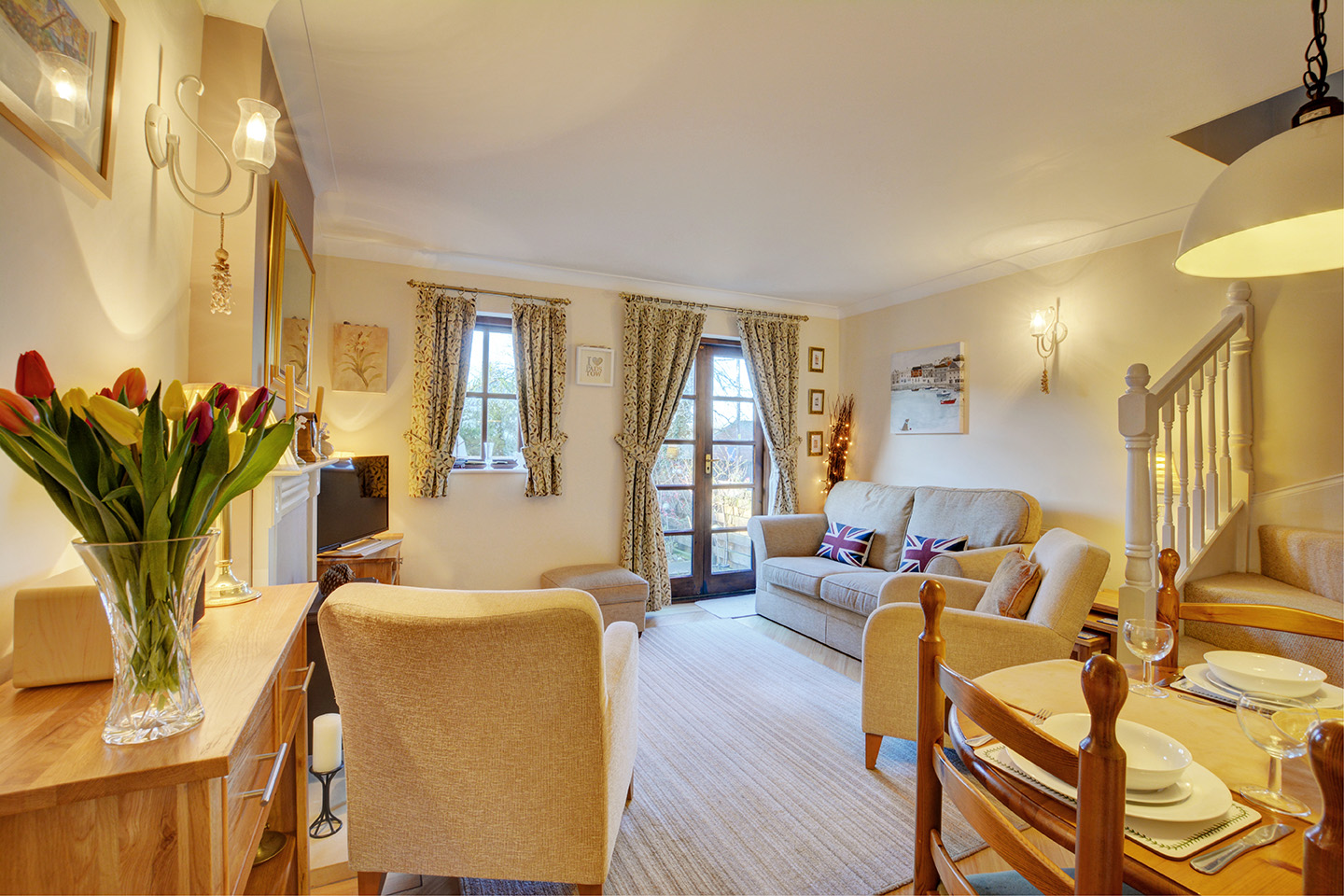 Ship Shape cosy holiday cottage in seaside harbour of Padstow living room 5.jpg