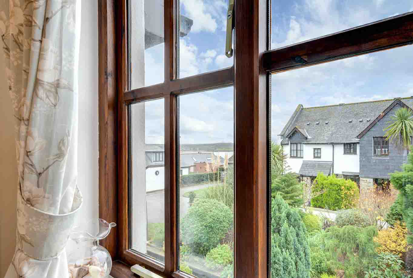 Ship Shape cosy holiday cottage in seaside harbour of Padstow window view.jpg
