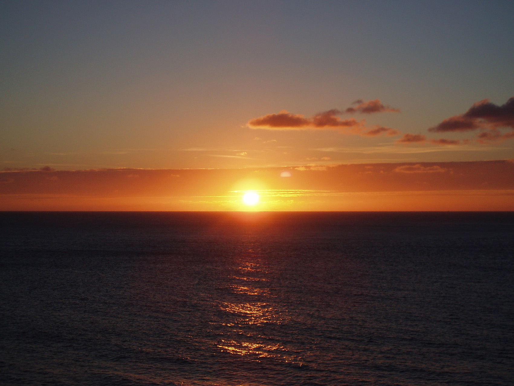 The sunset over the north Cornish coast in Cornwall near Penrose Burden luxury holiday cottages.jpg