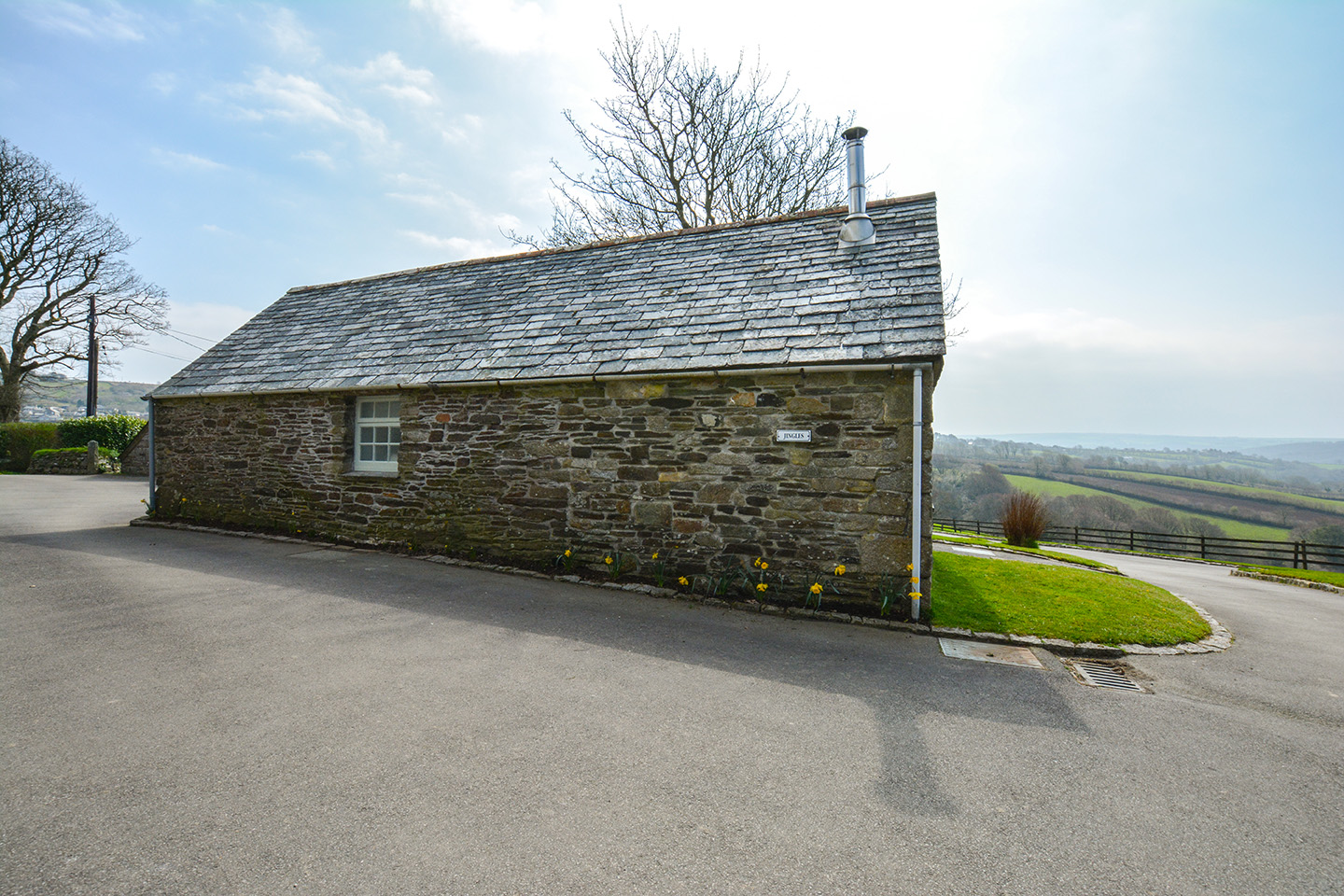 The outside of Jingles luxury self catering holiday cottage at Penrose Burden in North Cornwall near Bodmin Moor01.jpg