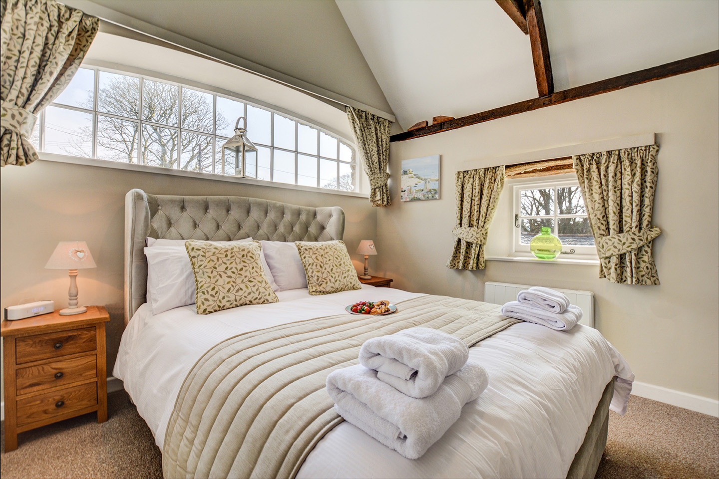 The bedroom at Jingles luxury self catering holiday cottage at Penrose Burden in North Cornwall near Bodmin Moor02.jpg