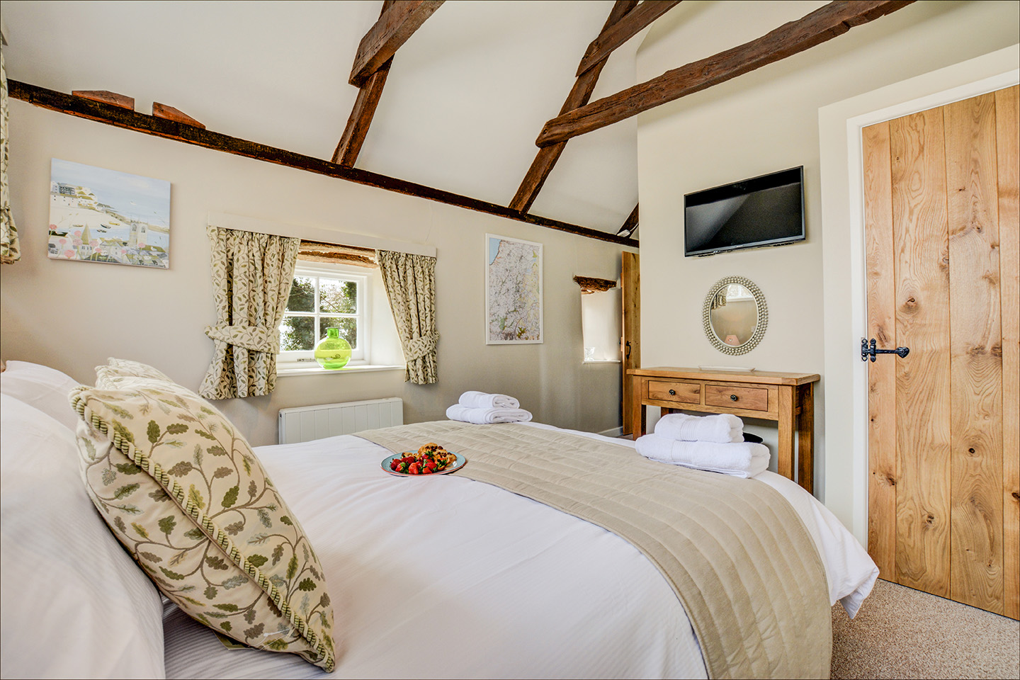 The bedroom at Jingles luxury self catering holiday cottage at Penrose Burden in North Cornwall near Bodmin Moor03.jpg