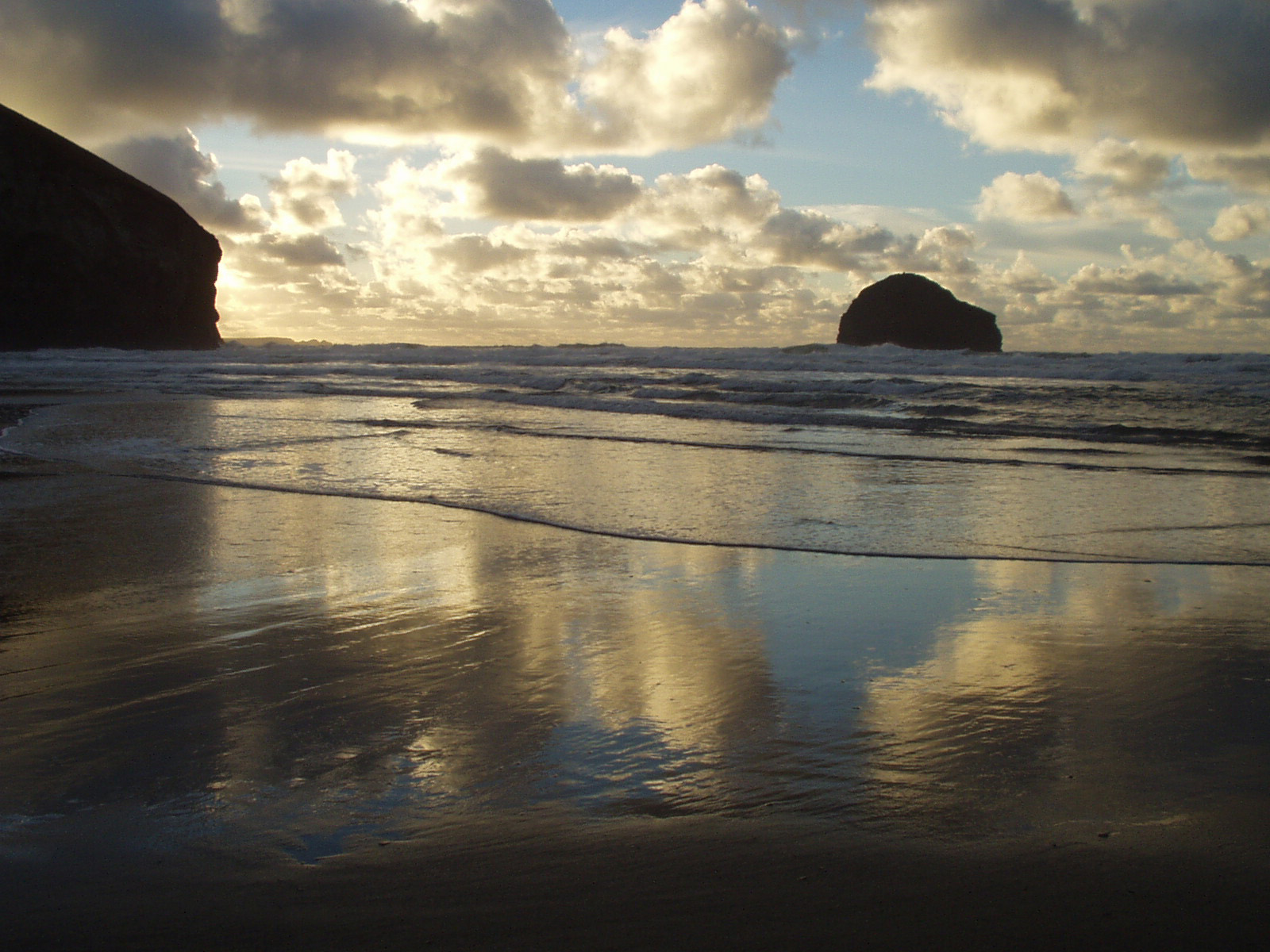 Trebarwith Strand beach in Cornwall near Penrose Burden luxury holiday cottages.jpg