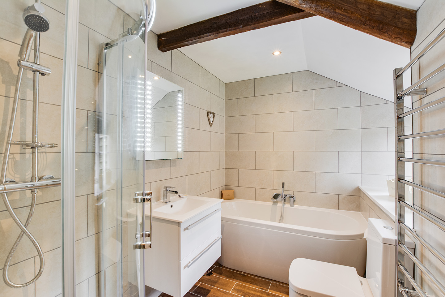The bathroom of Snappers luxury self catering converted barn holiday cottage at Penrose Burden in North Cornwall 01.jpg