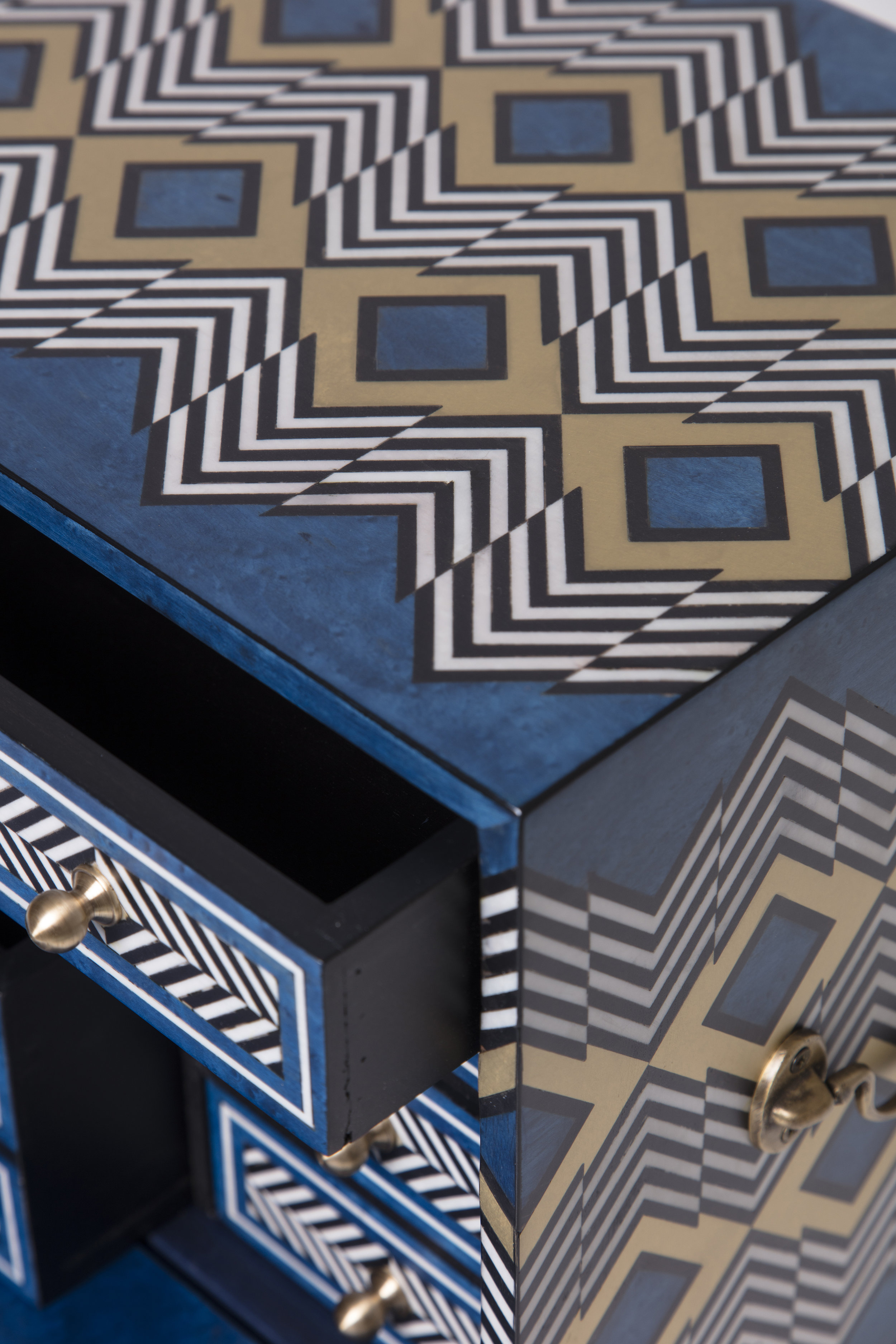 Sibylle Tarazi_Curiosity Cabinets_Twin Peaks Detail 2_2017.jpg
