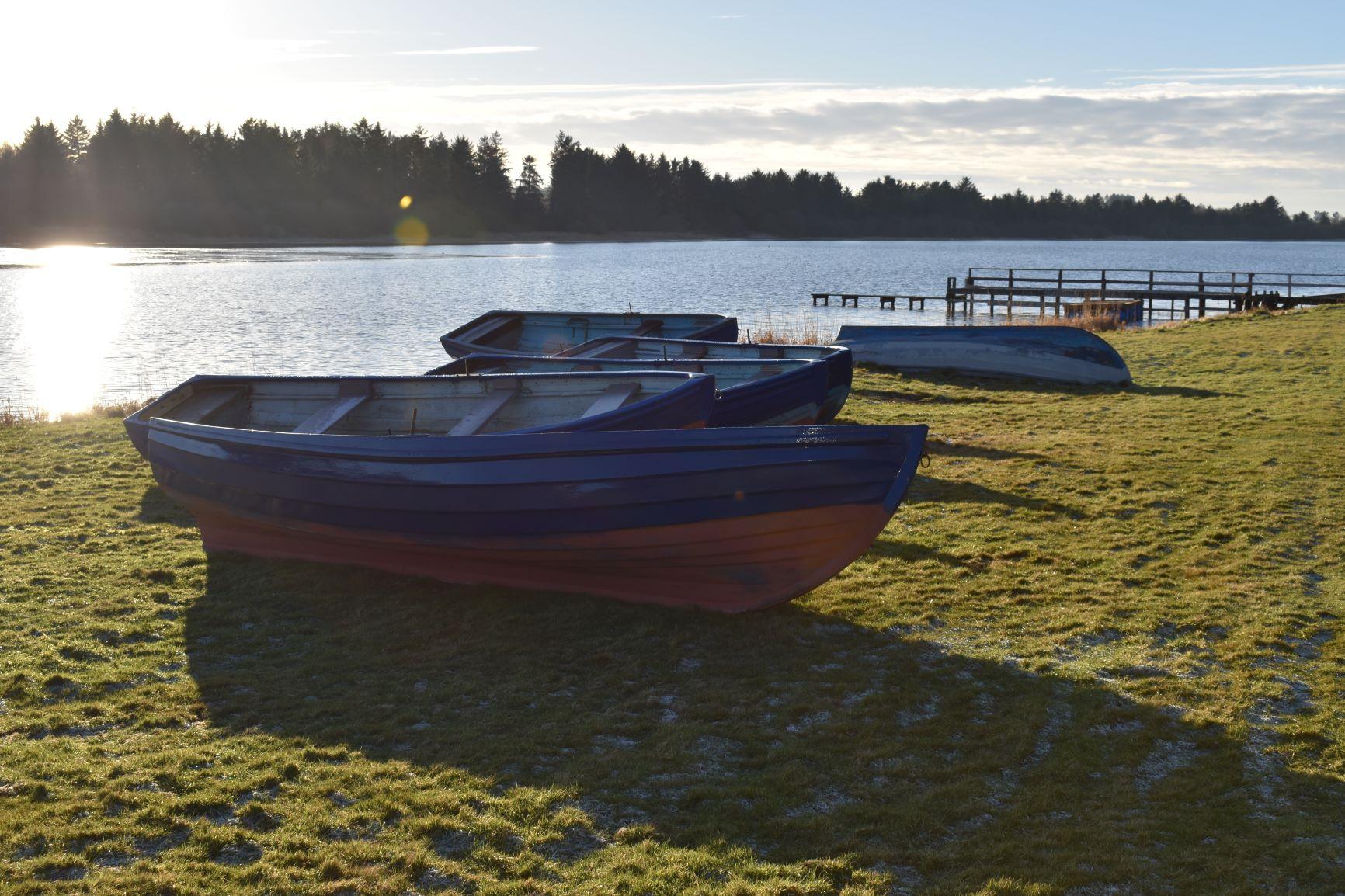 Cameron Reservoir boats and bank 1.JPG