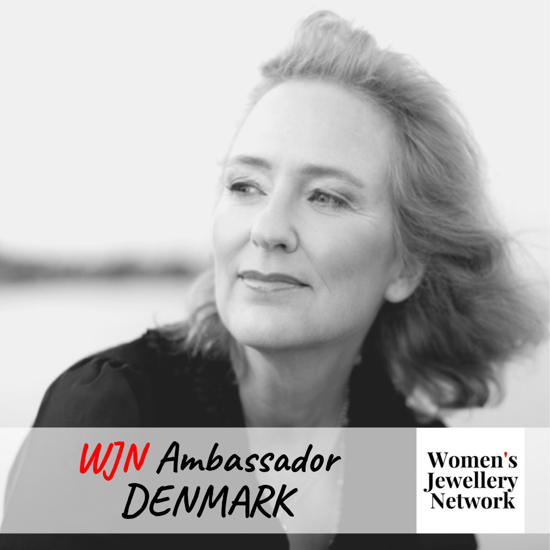 ANNA MOLTKE-HUITFELDT launched her jewellery company in 2004; since 2009 she has worked with gold mined without chemicals and according to fair trade principles. In April 2012 she was the first and only Danish jeweller to become a licensee under the Dual Label. In 2017 Anna decided to concentrate on working with Fairmined precious metals, including Fairmined Ecological gold. Anna works from her workshop in the middle of the Danish countryside, inspired by nature and the thoughts and movements of the spiral.