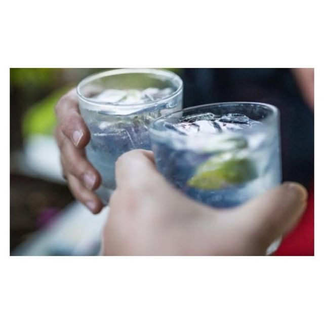 And on the 4th day, god created gin... happy Thursday #ginlovers to celebrate this marvellous day and herald the arrival of the weekend, enjoy 2-4-1 G&Ts on us all night! ⠀ ⠀ hejoker  #thejokerofpentonstreet #pub #chapelmarket #angel #islington #northlondon #N1 #whatson #whatsonlondon #londonliving #londondrinks #londoneats #publife #nightlife #nightout #gin #ginandtonic #gandt #tanqueray #tanquerayandtonic #thursday #thursdaynight #thursdayisthenewfriday #cheers