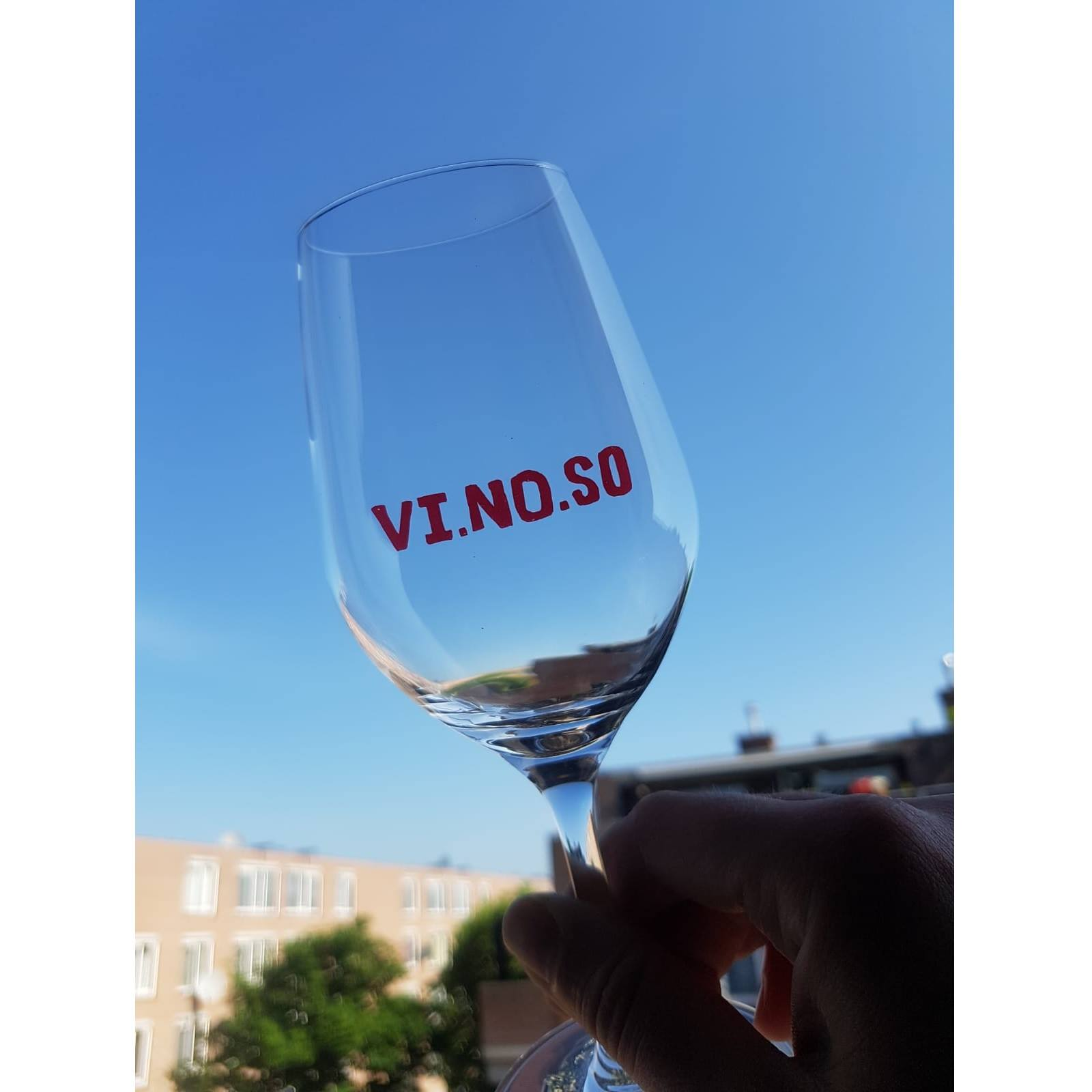 glas vinoso.jpg