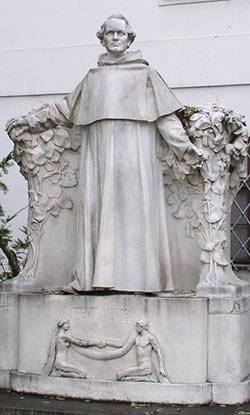 Gregor-Mendels-statue-in-the-courtyard-of-St.-Thomas-Abbey-Brno (1).jpg
