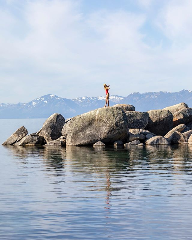 Lake Tahoe stealing my heart again and again and again... @renotahoe #renotahoe (photo by @photograferg)