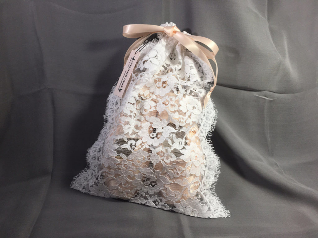 White Lise Leavers Lace Pointe Shoe Bag