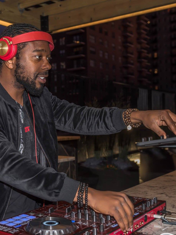 Music by B96 DJ JNiice.