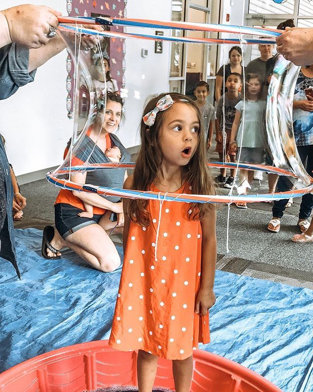 F E A R Fear can be paralyzing. Fear can cause anxiety. Fear can stop you in your tracks. Fear can put up walls around your heart. But overcoming fear can really change the game. . I love watching my little bugaboo overcome her fears. She was so afraid of standing in this bubble, but after thinking about it for a while, she decided she wanted to try it. Now she has this fun memory and even wanted to do it again! . #fear #anxiety #courage #bubbles #grief #loss #change #griefrecovery #recovery #recover #heal #overcome #obstacle #toddler #texastoddler #toddlermom #stayathomemom #texas #sanantonio #juvenilearthritus #juvenilerheumatoidarthritis #autoimmune #wednesday #wednesdaythoughts #jessicaoconnorgr #beautifullyanchored