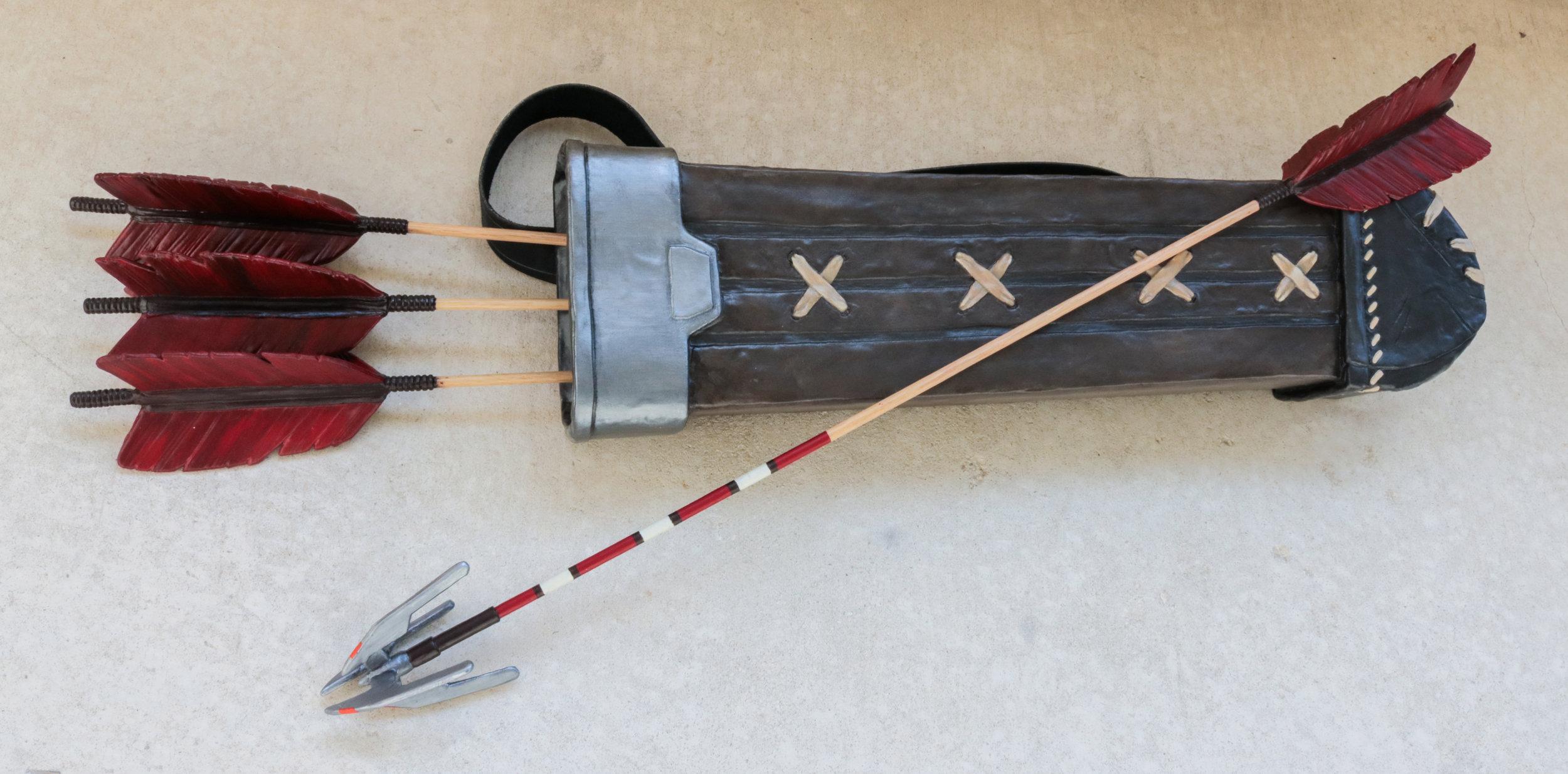 Hanzo Quiver & Arrows.jpg