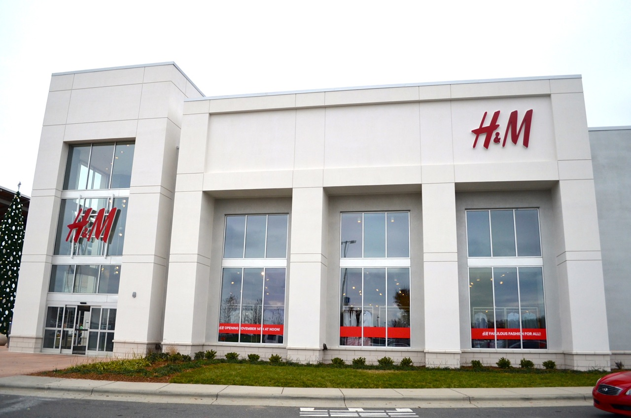 H&M Store at the Northlake Mall in Charlotte, NC (Credit: ScoopCharlotte)