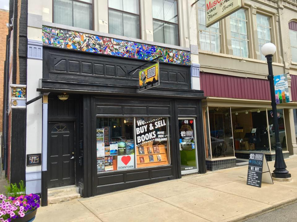 Bobzbay's storefront in Downtown Bloomington (Photo: Breanna Grow)