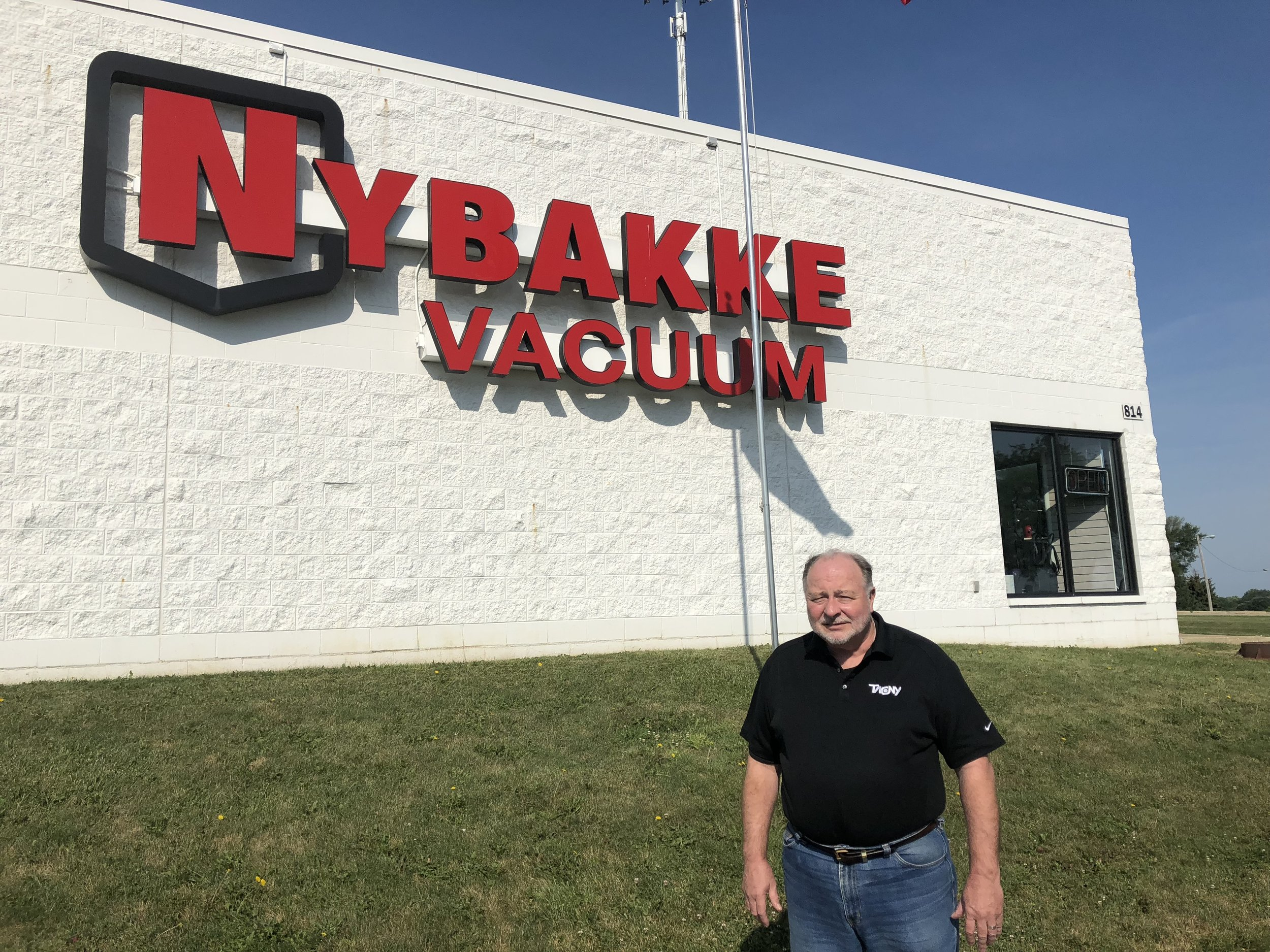 Terry Nybakke of Nybakke Vacuum Shop in Bloomington, IL (Photo: Erik Prenzler)