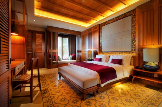 PACKAGE 2 - STAY IN 5-STAR HOTEL Features: Shared Bathoom, Pool Views, Wi-fi, Air Conditioning, Modern Suite, Shared King Size Bed or Double Bed, Breakfast and Lunches included.
