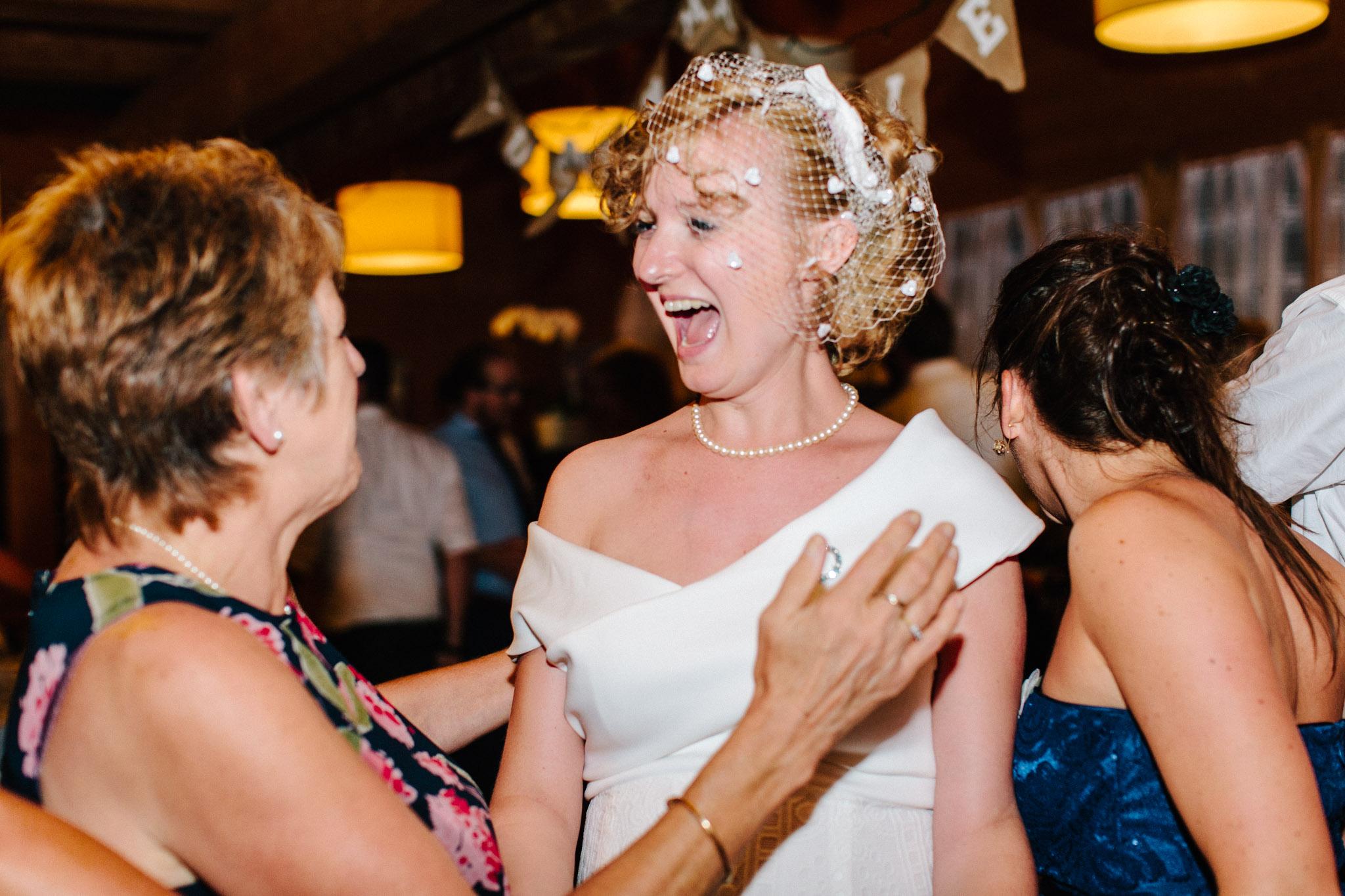 Lenl-Simmental-Buehlerhof-Pia-Anna-Christian-Wedding-Photography-EK-100.jpg