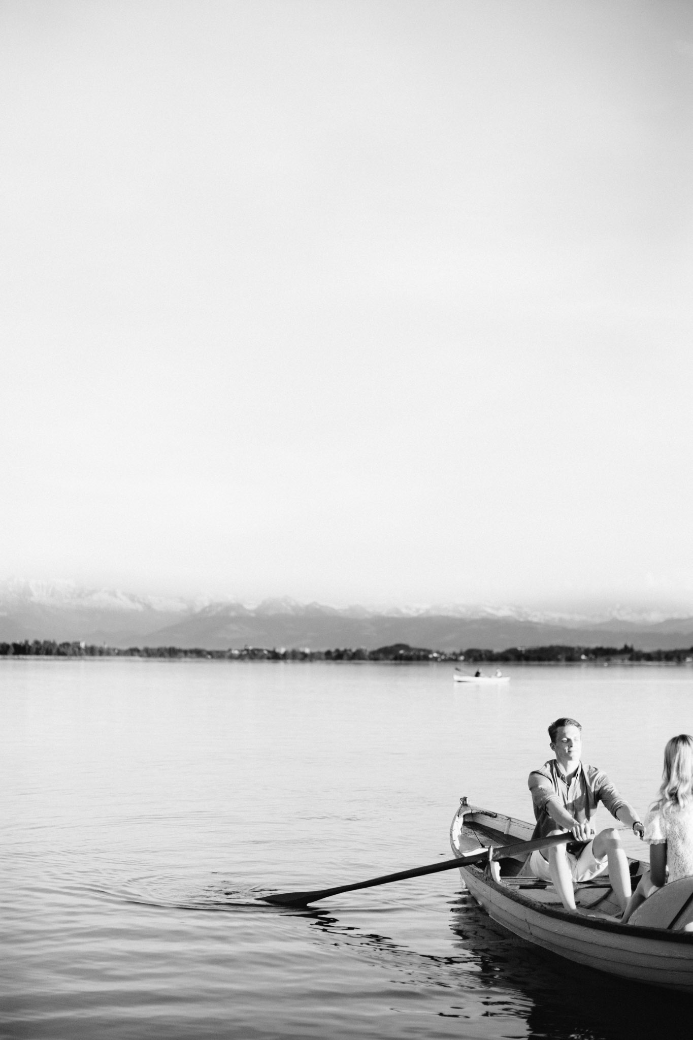 Zuerich-Switzerland-Pia-Anna-Christian-Wedding-Photography-AC-Zuerichsee-43.jpg