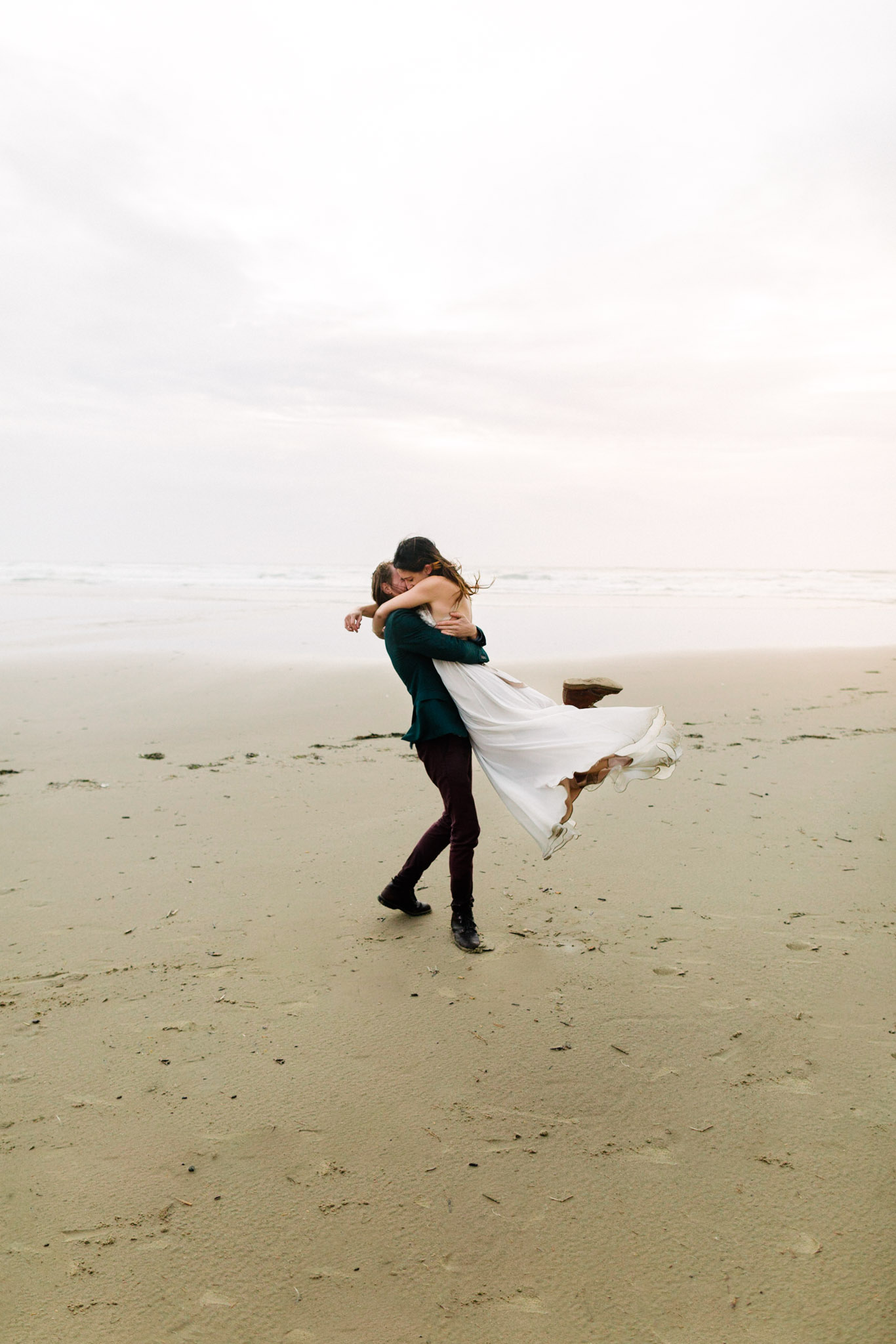 Oregon-Coast-Manzanita-Beach-Engagement-Pia-Anna-Christian-Wedding-Photography-PNW-GB-5.jpg