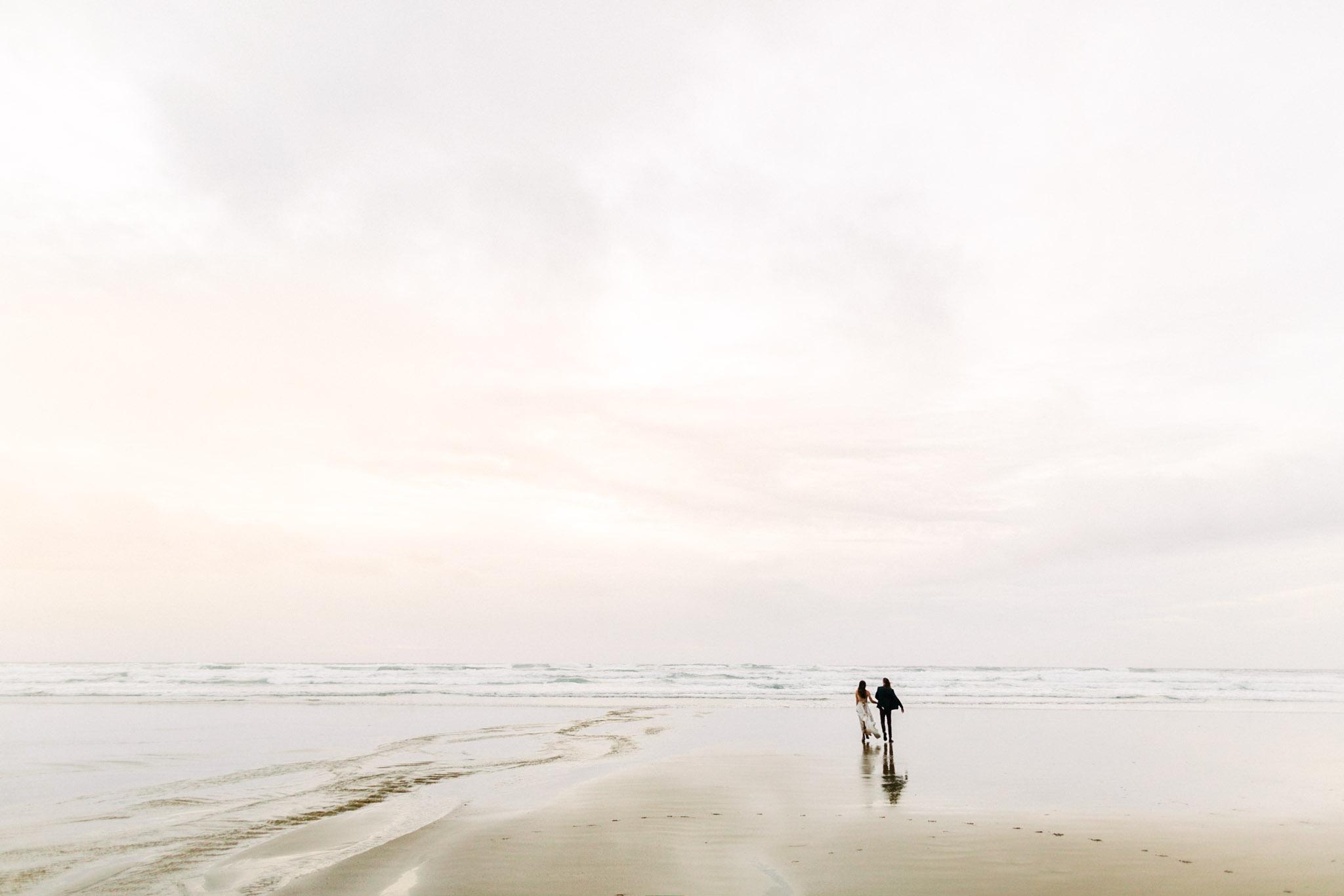 Oregon-Coast-Manzanita-Beach-Engagement-Pia-Anna-Christian-Wedding-Photography-PNW-GB-11.jpg
