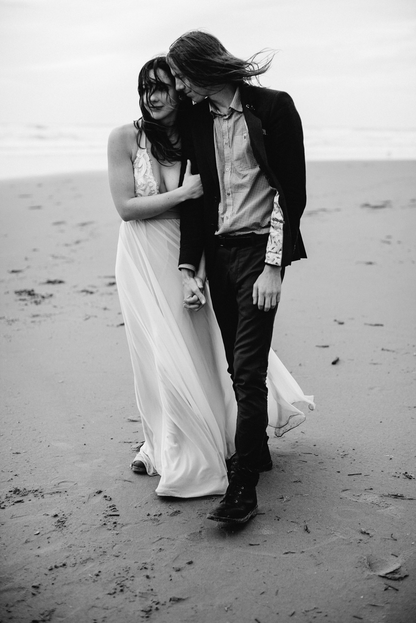Oregon-Coast-Manzanita-Beach-Engagement-Pia-Anna-Christian-Wedding-Photography-PNW-GB-12.jpg