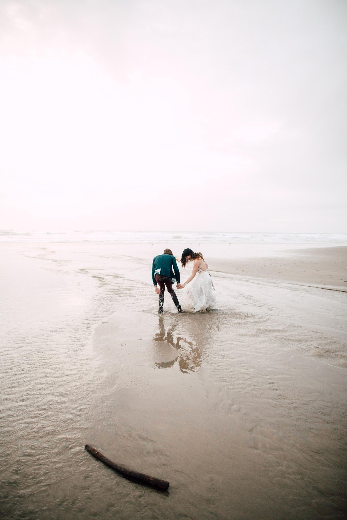 Oregon-Coast-Manzanita-Beach-Engagement-Pia-Anna-Christian-Wedding-Photography-PNW-GB-30.jpg