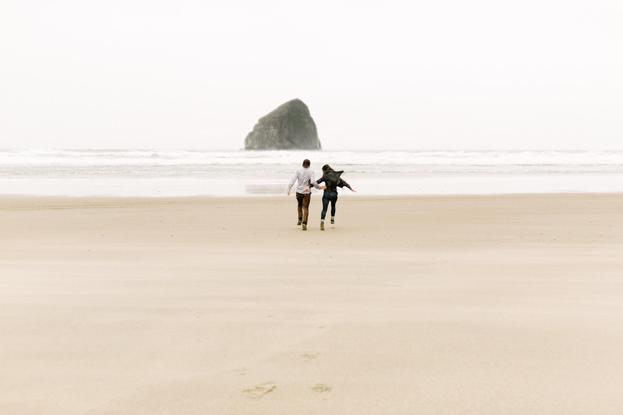 Oregon-Cape-Kiwanda-Engagement-Pia-Anna-Christian-Wedding-Photography-PNW-CJ-36.jpg