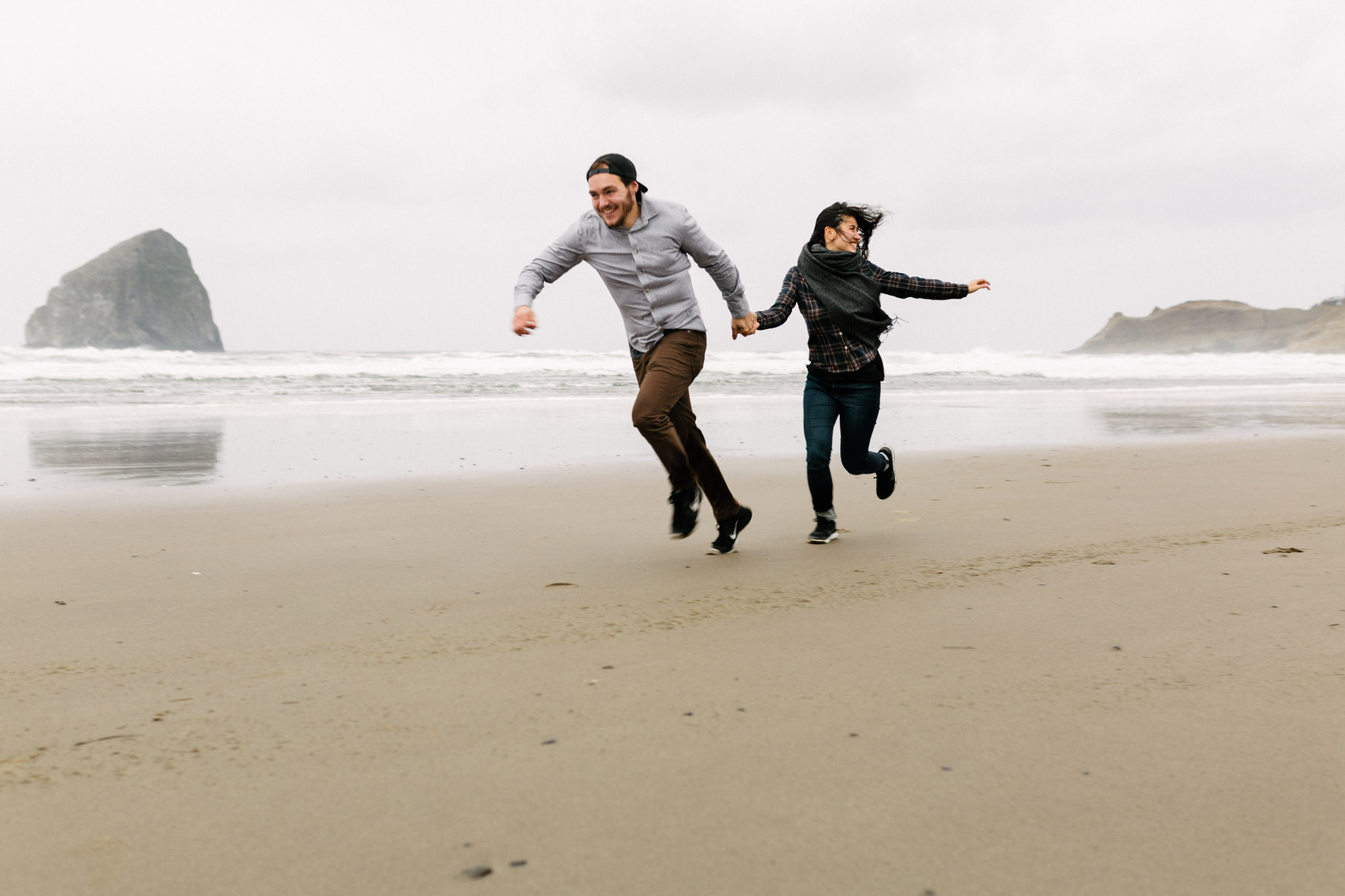 Oregon-Cape-Kiwanda-Engagement-Pia-Anna-Christian-Wedding-Photography-PNW-CJ-22.jpg