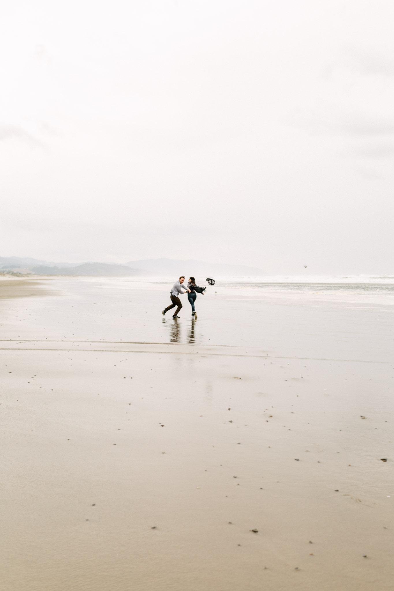 Oregon-Cape-Kiwanda-Engagement-Pia-Anna-Christian-Wedding-Photography-PNW-CJ-11.jpg