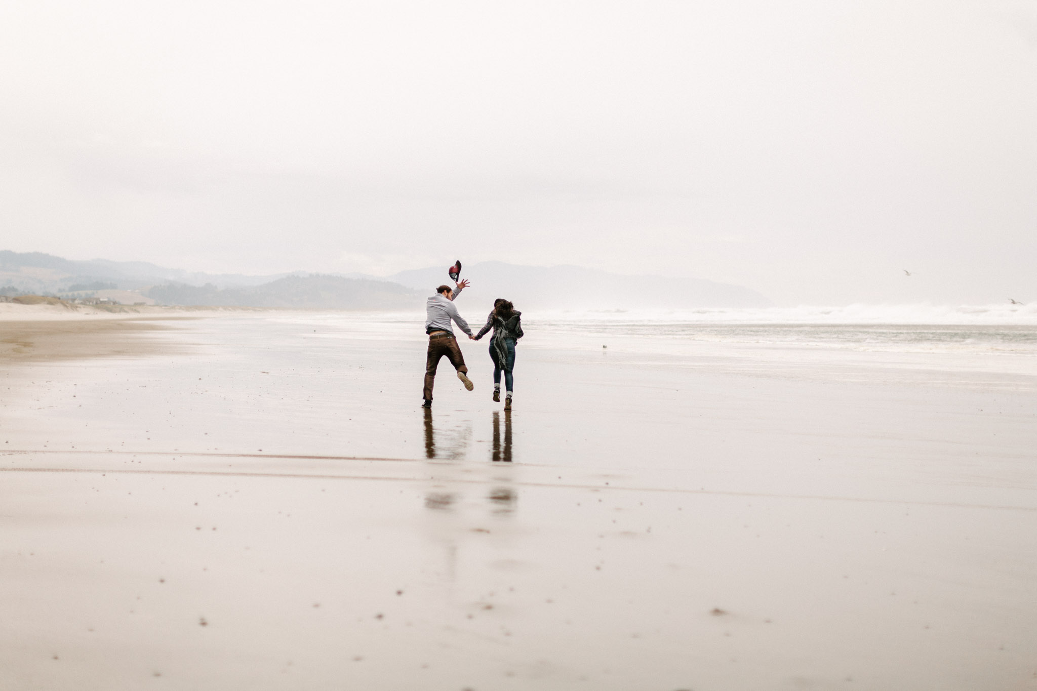 Oregon-Cape-Kiwanda-Engagement-Pia-Anna-Christian-Wedding-Photography-PNW-CJ-14.jpg
