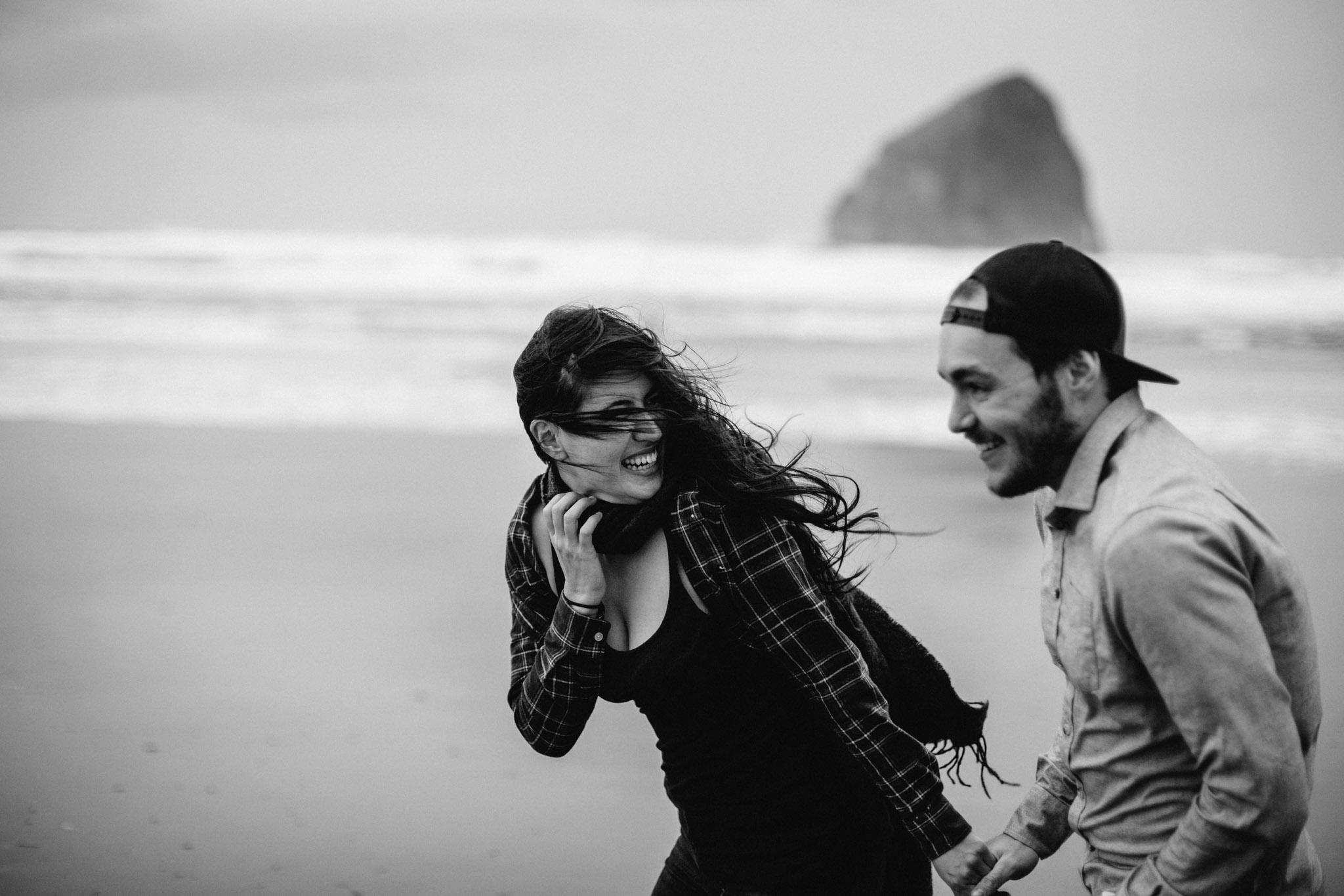 Oregon-Cape-Kiwanda-Engagement-Pia-Anna-Christian-Wedding-Photography-PNW-CJ-12.jpg