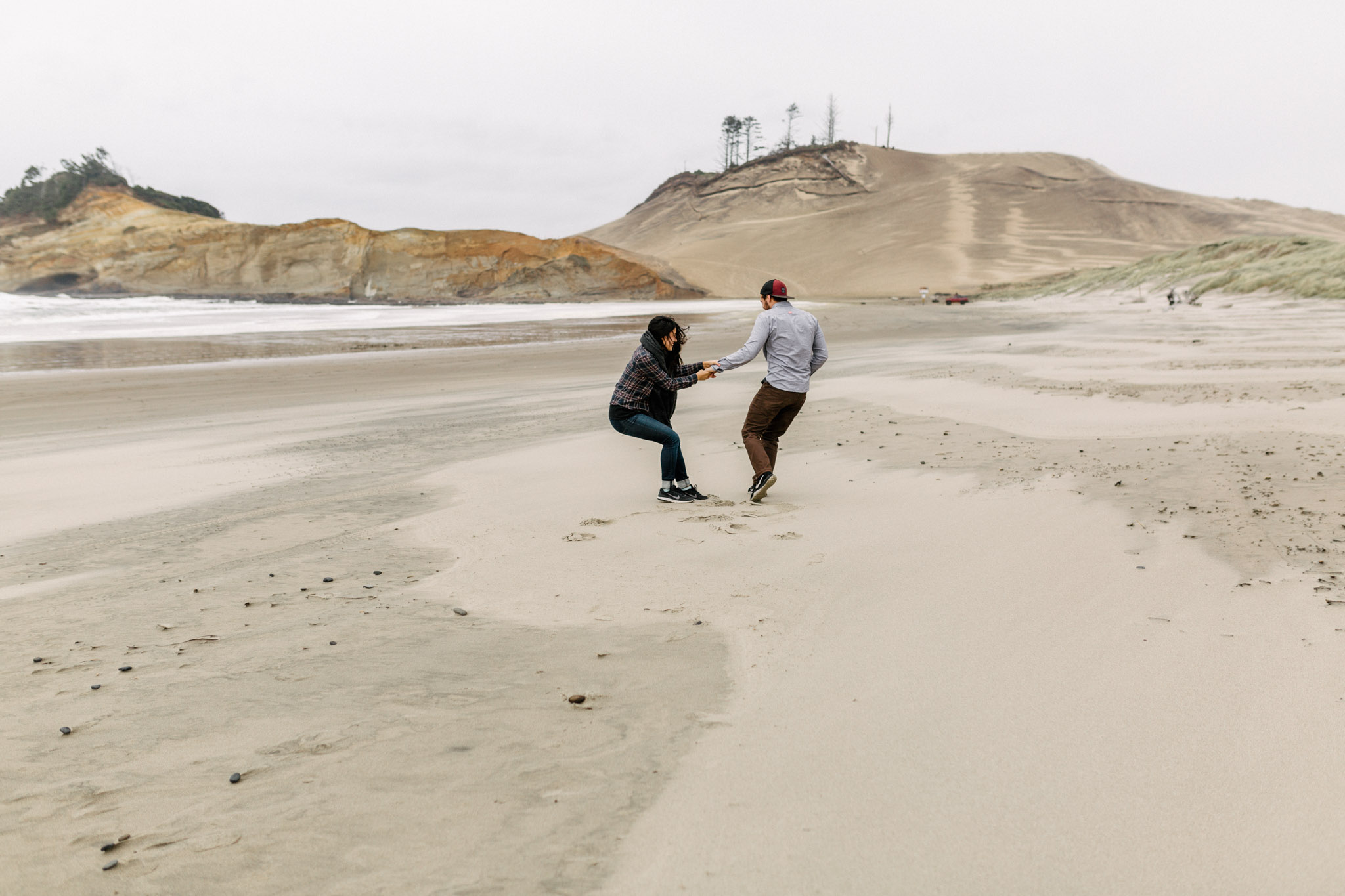 Oregon-Cape-Kiwanda-Engagement-Pia-Anna-Christian-Wedding-Photography-PNW-CJ-1.jpg