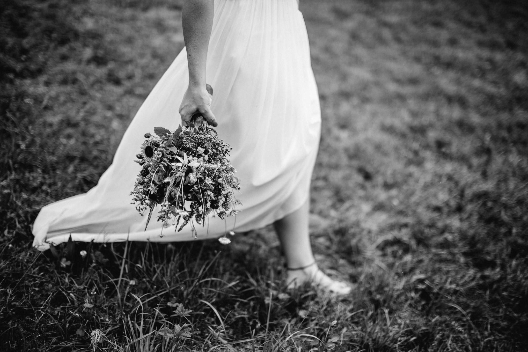Boho-Scheune-Bauern-Hochzeit-Lörrach-Rheinfelden-Pia-Anna-Christian-Photography-NC-13.jpg