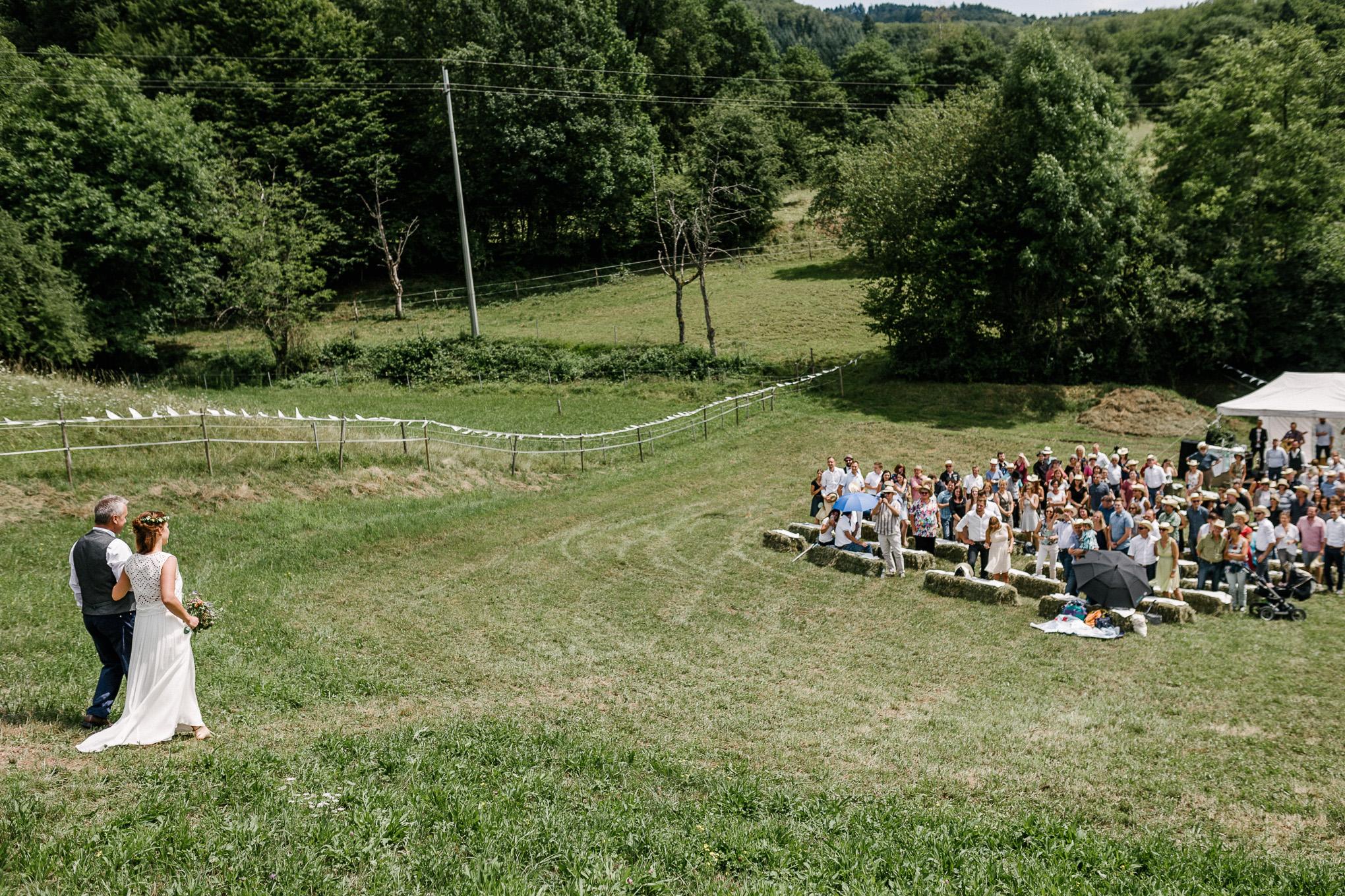 Boho-Scheune-Bauern-Hochzeit-Lörrach-Rheinfelden-Pia-Anna-Christian-Photography-NC-28.jpg