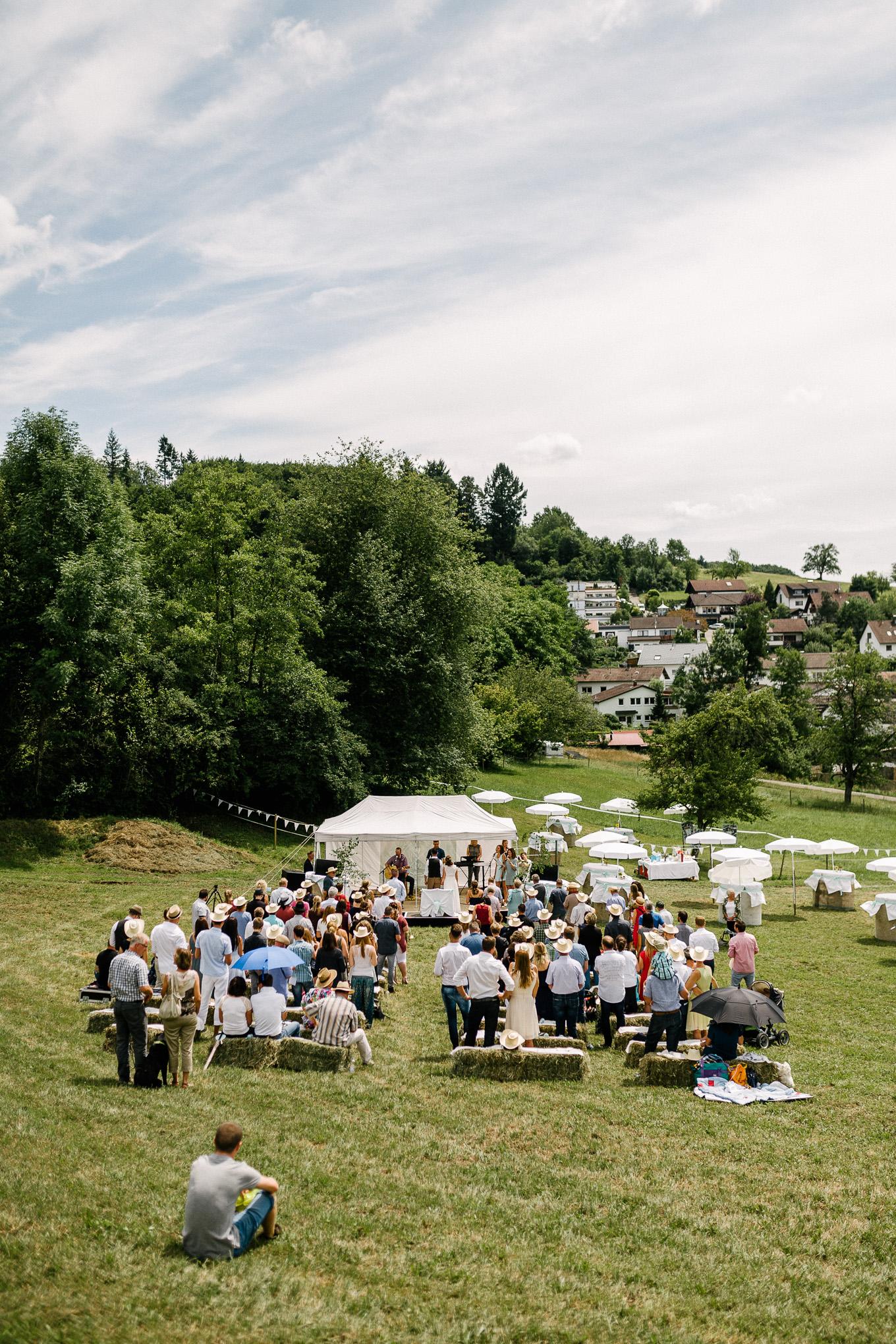 Boho-Scheune-Bauern-Hochzeit-Lörrach-Rheinfelden-Pia-Anna-Christian-Photography-NC-30.jpg