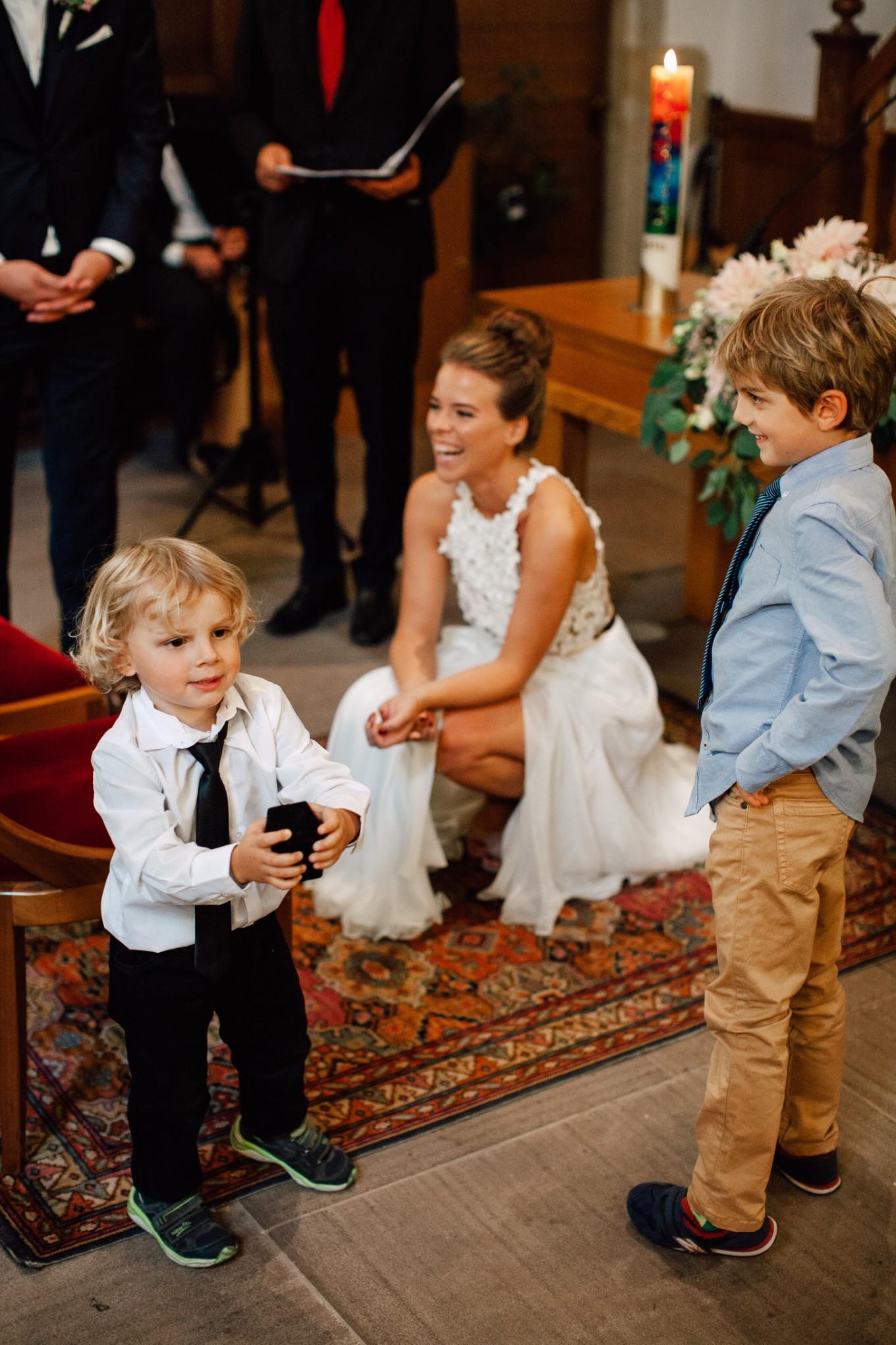 Basel-Hochzeit-Pia-Anna-Christian-Wedding-Photography-Bahnkantine-SuS-31.jpg