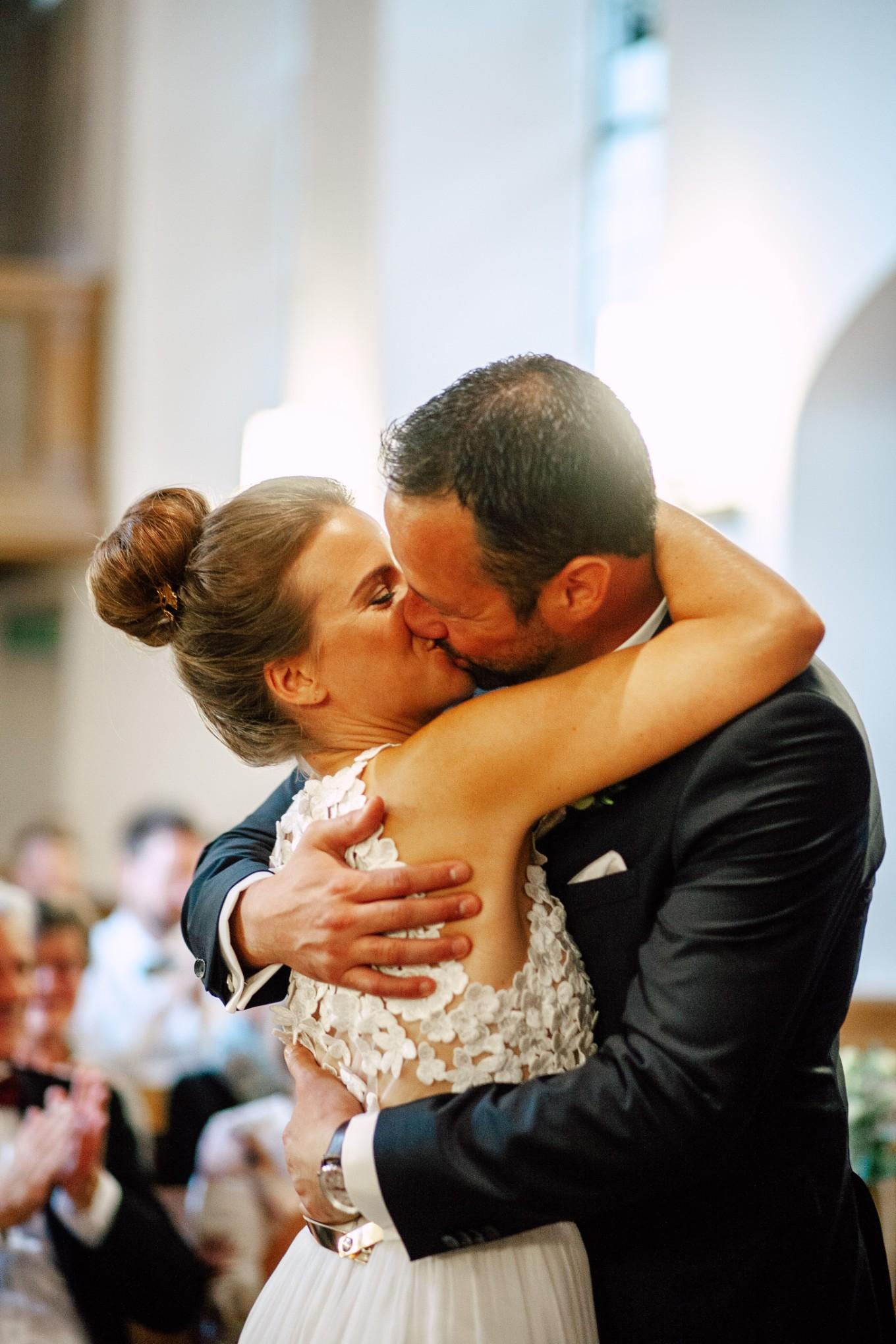 Basel-Hochzeit-Pia-Anna-Christian-Wedding-Photography-Bahnkantine-SuS-32.jpg