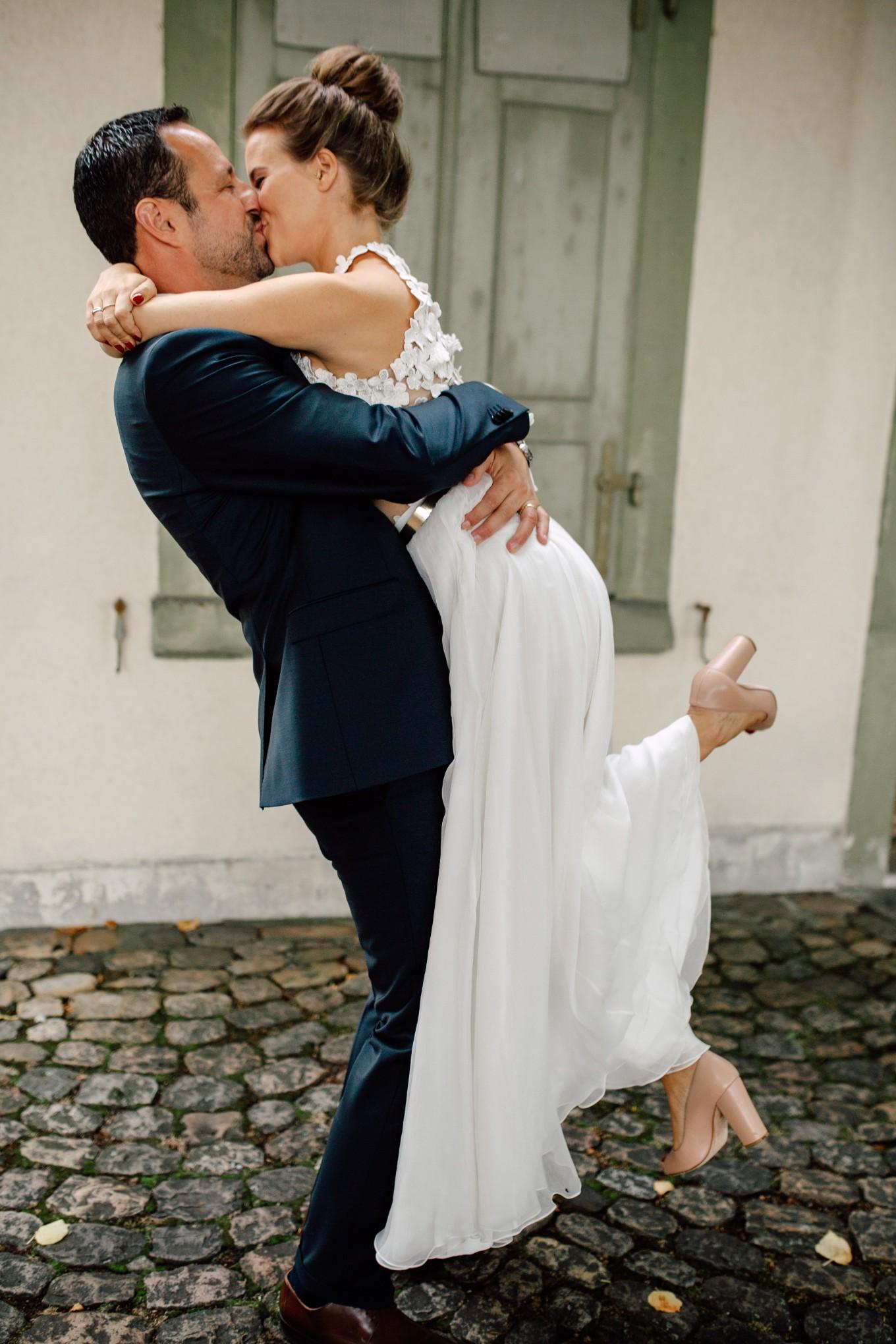 Basel-Hochzeit-Pia-Anna-Christian-Wedding-Photography-Bahnkantine-SuS-50.jpg