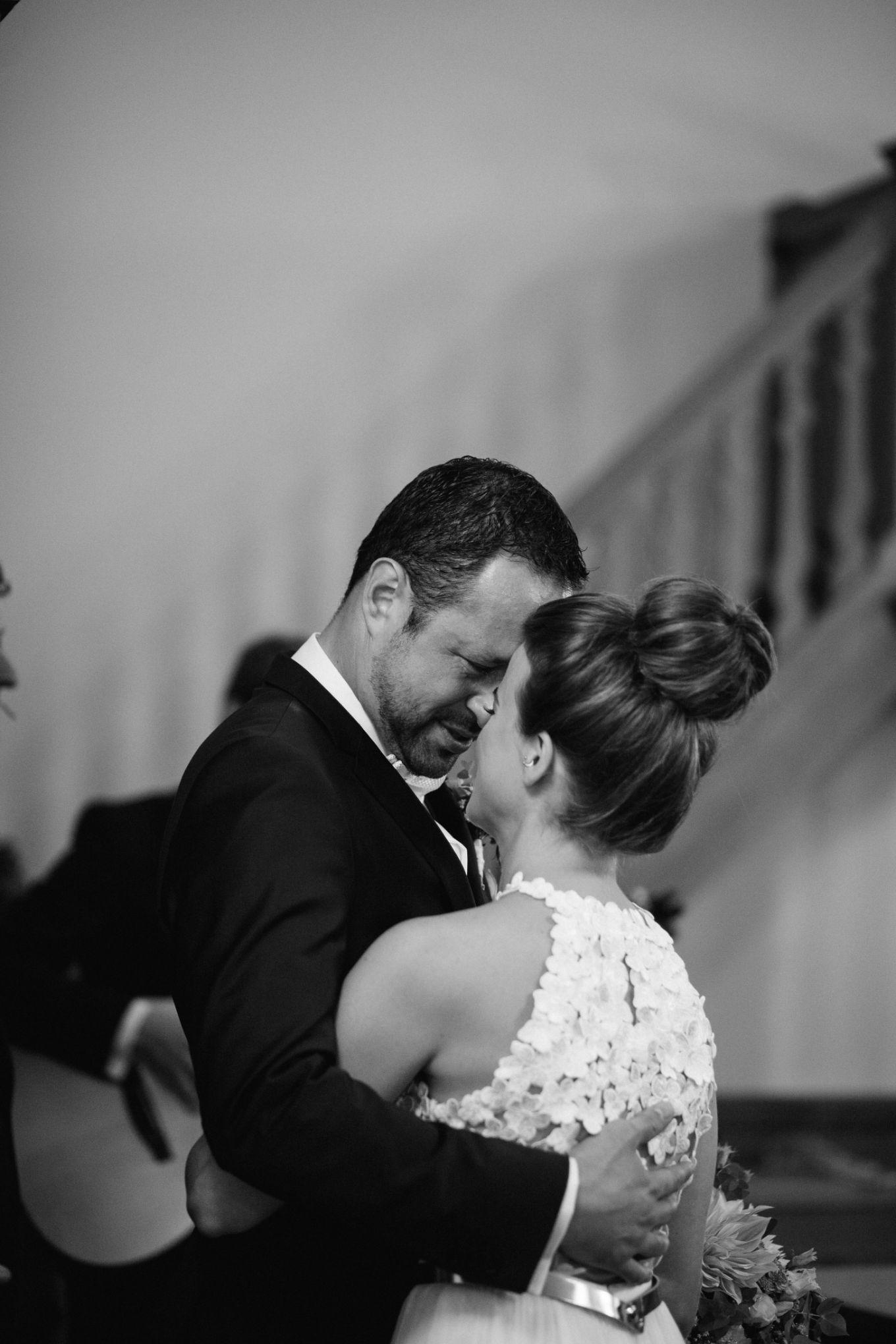 Basel-Hochzeit-Bahnkantine-Pia-Anna-Christian-Wedding-Photography-SS-T-29.jpg