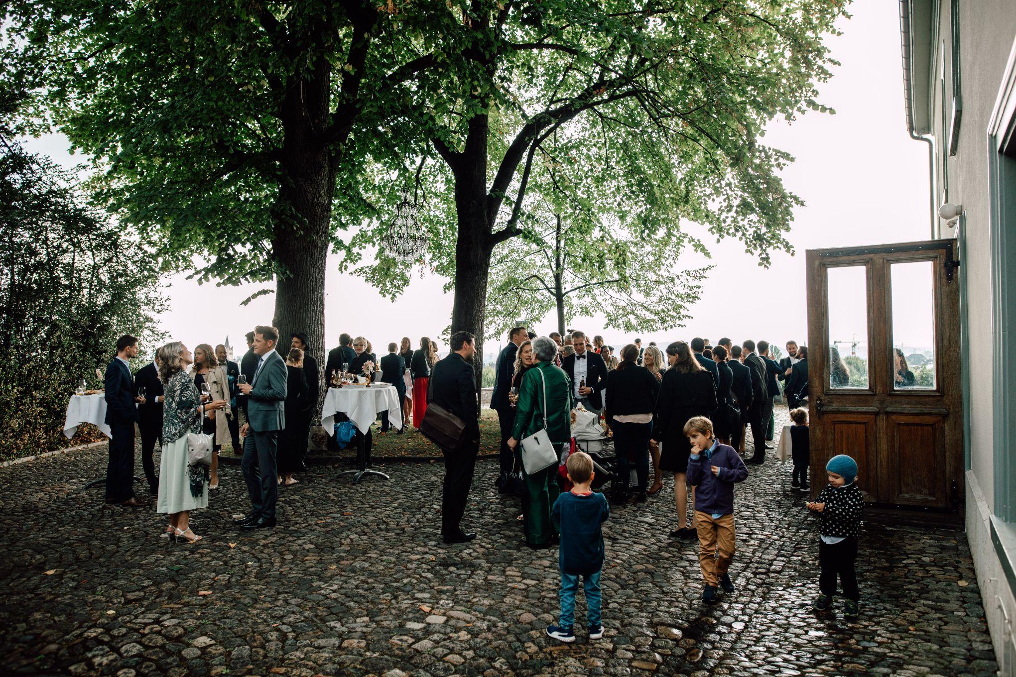 Basel-Hochzeit-Bahnkantine-Pia-Anna-Christian-Wedding-Photography-SSA-100.jpg