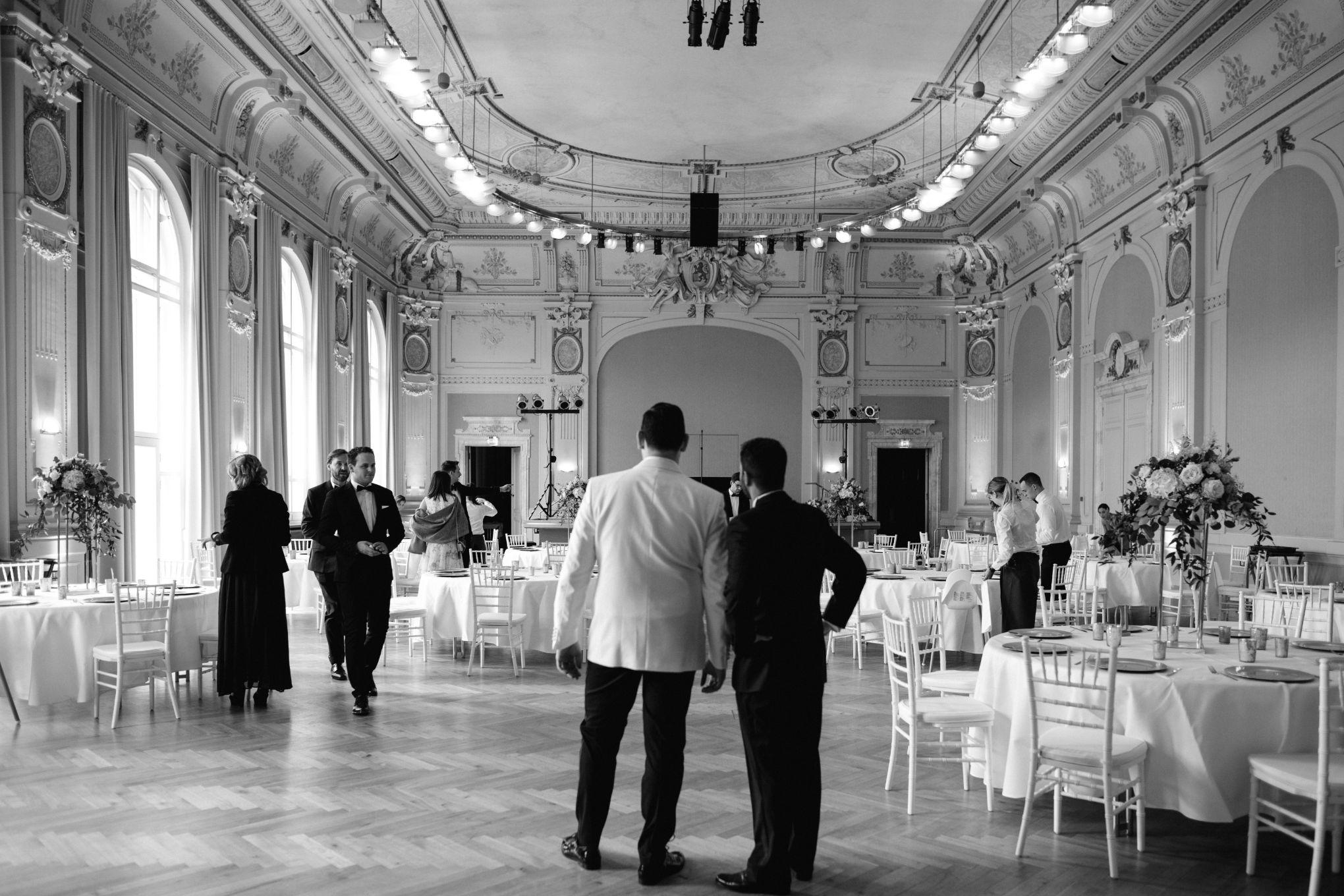Historische-Stadthalle-Wuppertal-Hochzeit-The-Saums-KN-3-12.jpg