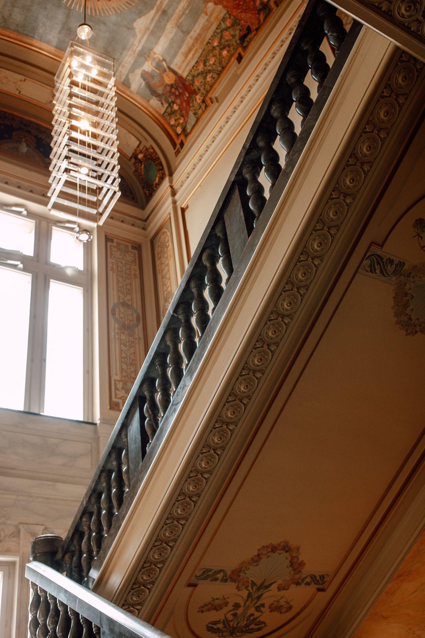 Historische-Stadthalle-Wuppertal-Hochzeit-The-Saums-KN-3-24.jpg