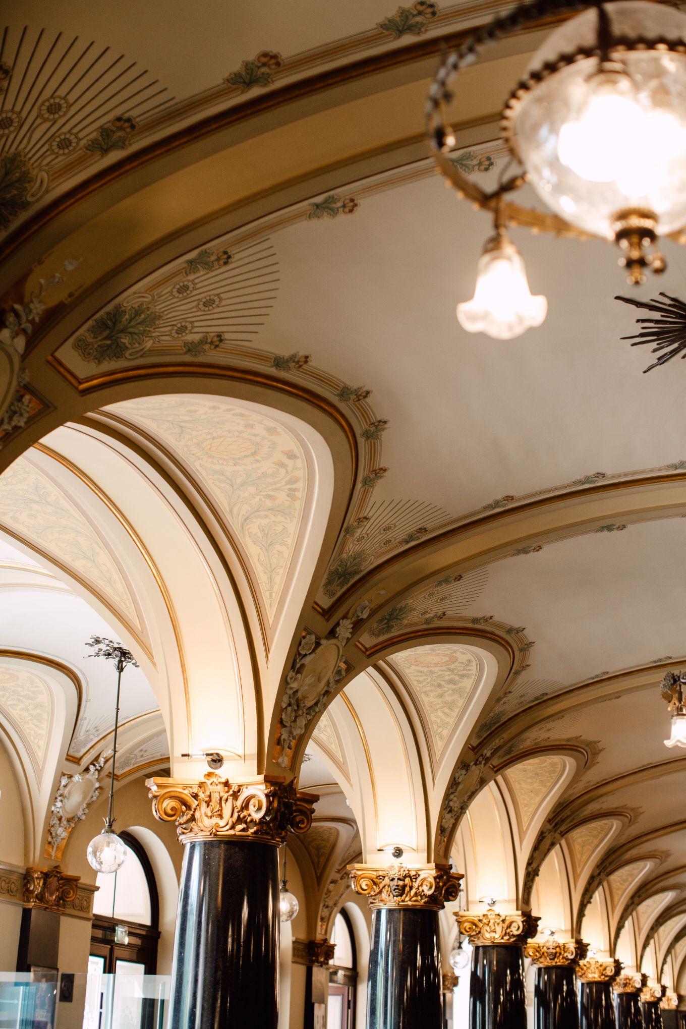 Historische-Stadthalle-Wuppertal-Hochzeit-The-Saums-KN-3-34.jpg