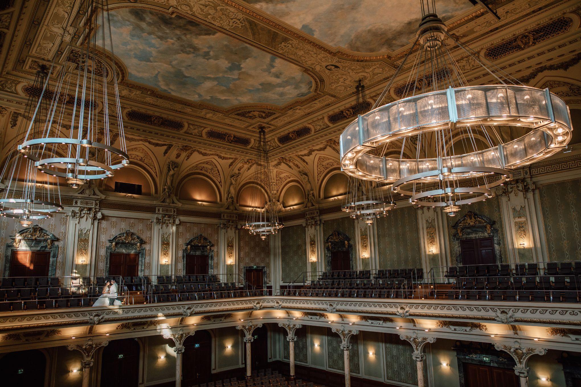 Historische-Stadthalle-Wuppertal-Hochzeit-The-Saums-KN-4-137.jpg