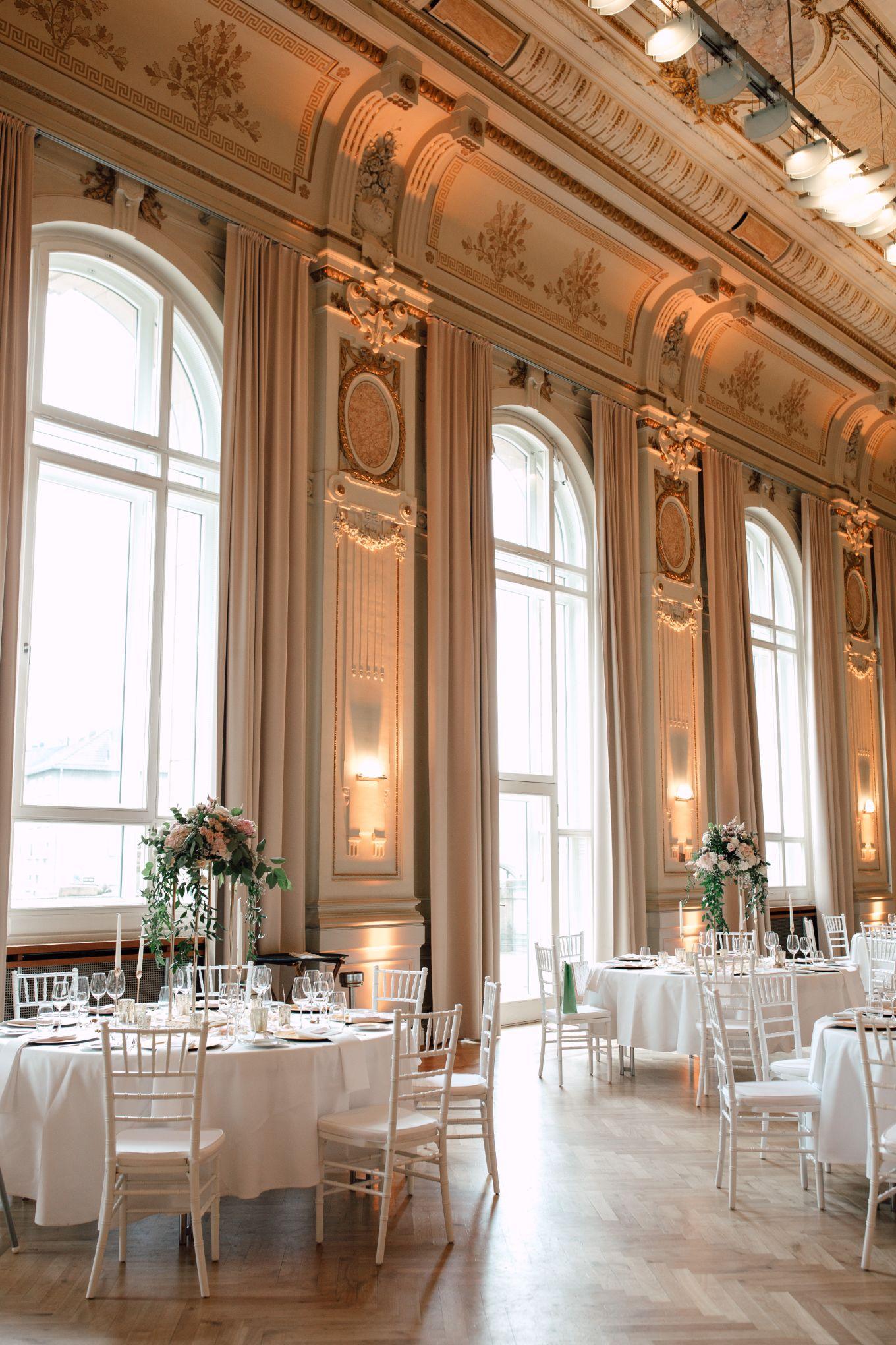 Historische-Stadthalle-Wuppertal-Hochzeit-The-Saums-KN-6-4.jpg