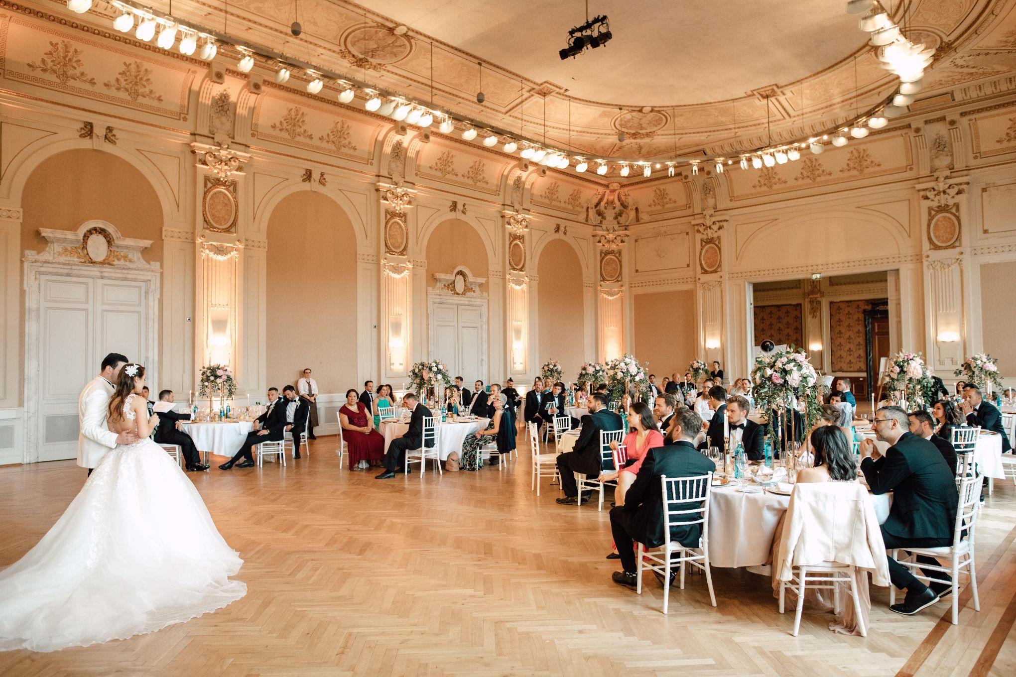 Historische-Stadthalle-Wuppertal-Hochzeit-The-Saums-KN-6-35.jpg